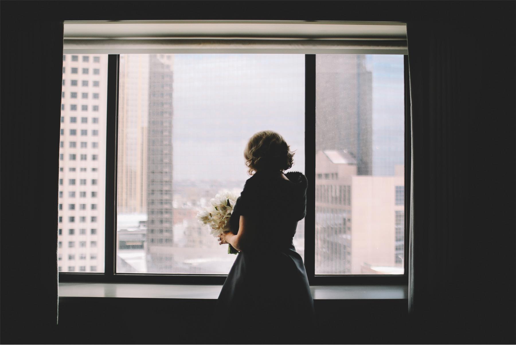 01-Minneapolis-Minnesota-Wedding-Photography-by-Vick-Photography-Loews-Hotel-Bride-Wedding-Morning-Silhouette-Joan-and-Tim.jpg
