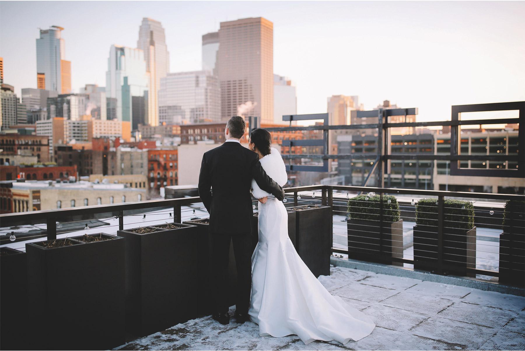12-Minneapolis-Minnesota-Wedding-Photographer-Andrew-Vick-Photography-Winter-Bride-and-Groom-Downtown-Skyline-Allison-and-Steve.jpg