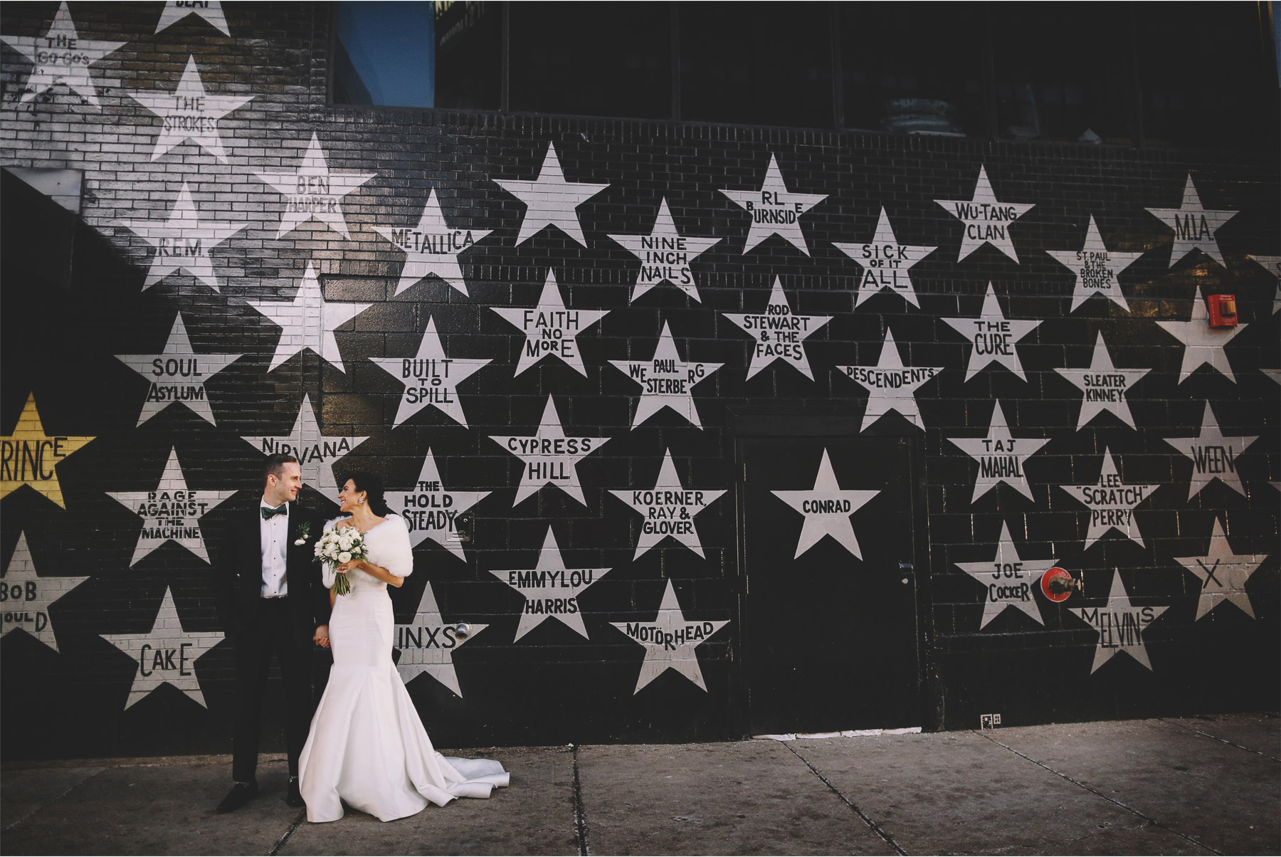 14-Minneapolis-Minnesota-Wedding-Photographer-Andrew-Vick-Photography-Winter-Bride-and-Groom-Downtown-First-Ave-Stars-Allison-and-Steve.jpg