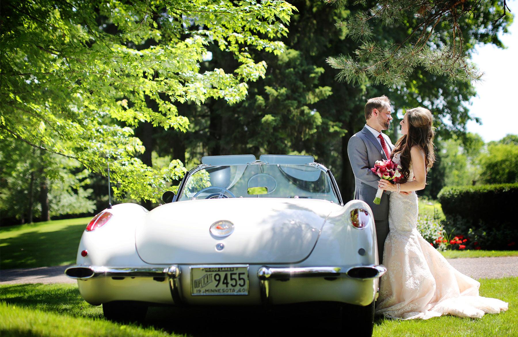 07-Minneapolis-Minnesota-Wedding-Photographer-by-Andrew-Vick-Photography-Summer-Edina-Classic-Car-Dress-Flowers-Bride-Groom-Natalie-and-Andrew.jpg