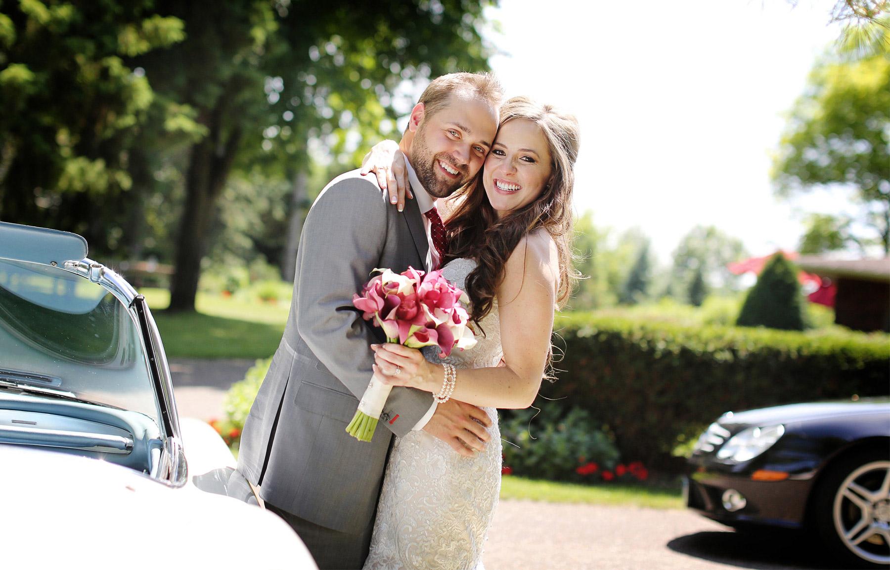 08-Minneapolis-Minnesota-Wedding-Photographer-by-Andrew-Vick-Photography-Summer-Edina-Classic-Car-Dress-Flowers-Bride-Groom-Natalie-and-Andrew.jpg