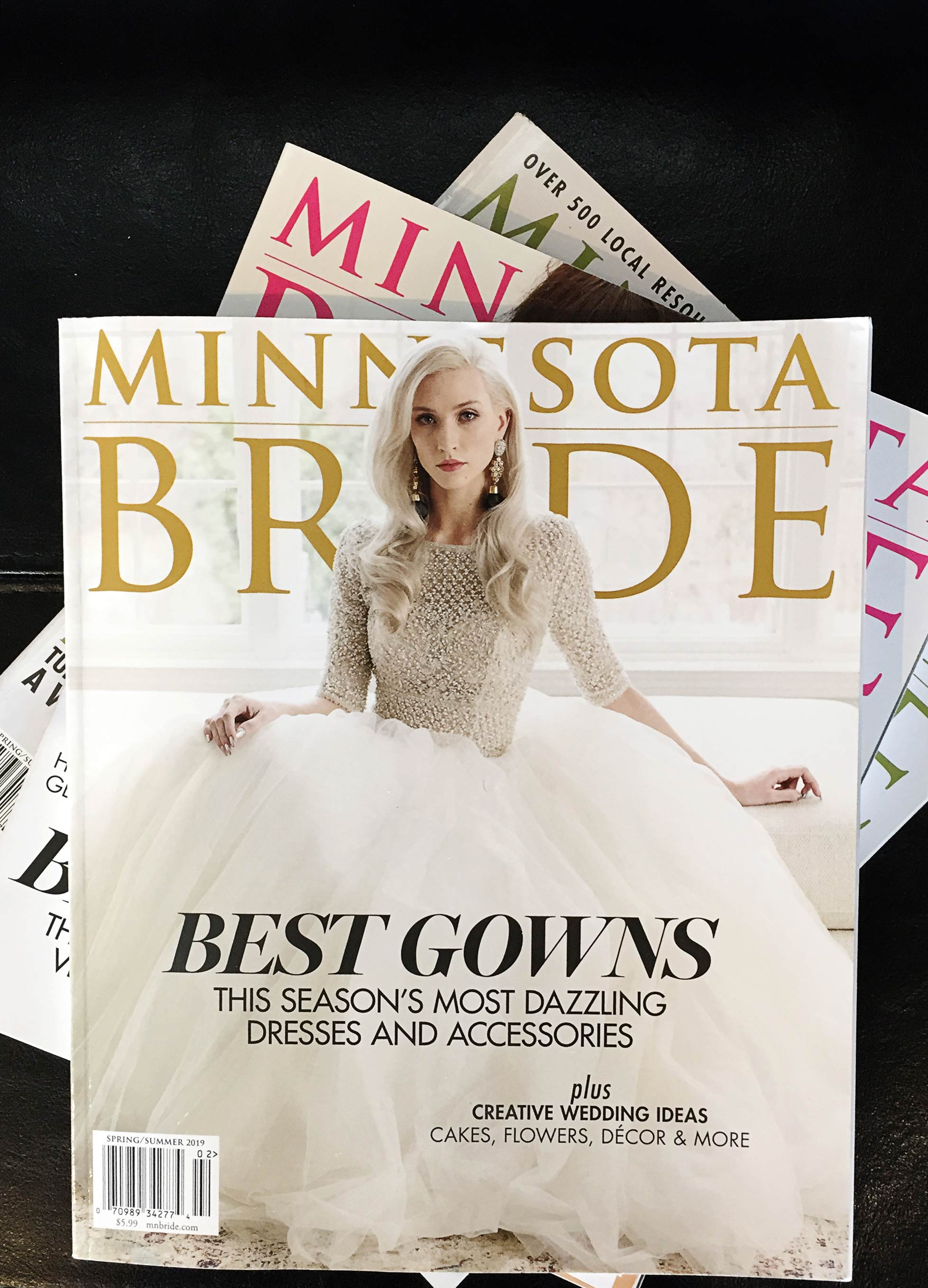 01-Minnesota-Bride-Magazine-Spring-2019-Cover-Vick-Photography-Feature.jpg