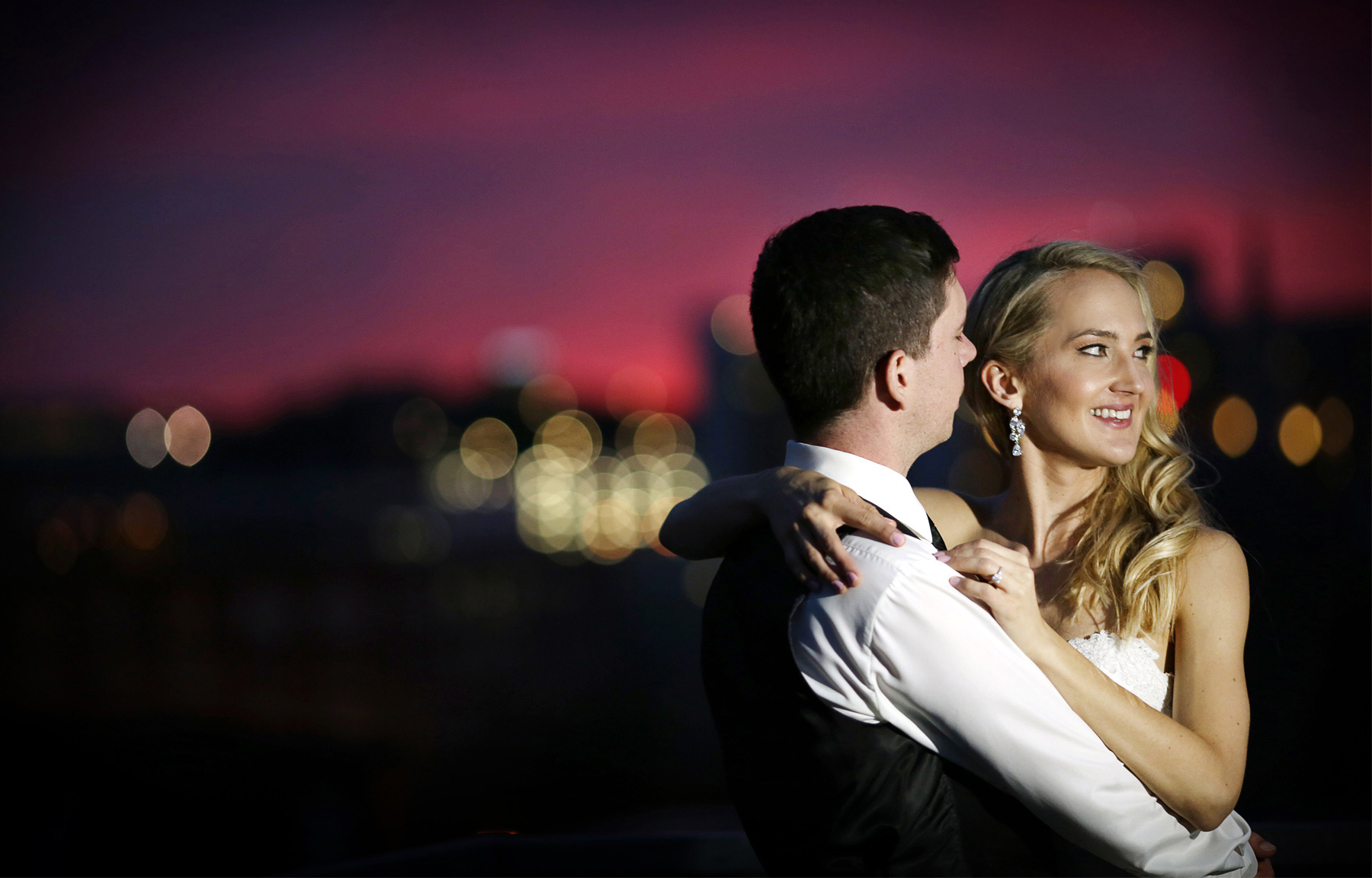 24-Saint-Paul-Minnesota-Wedding-Photographer-by-Andrew-Vick-Photography-Summer-Bride-Groom-Night-Romance-Laura-and-Tim.jpg
