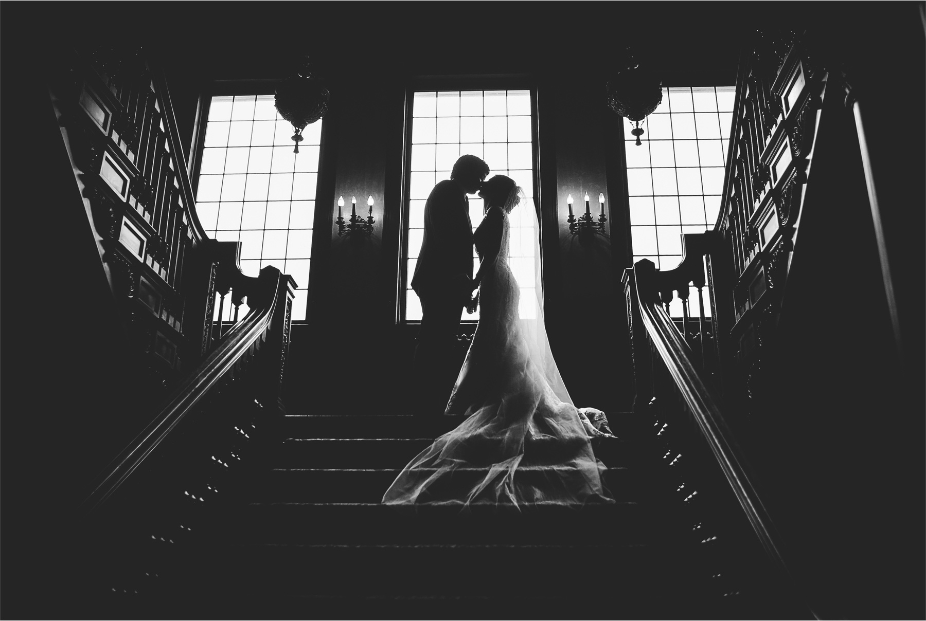 15-Minneapolis-Minnesota-Wedding-Photographer-by-Andrew-Vick-Photography-Summer-Semple-Mansion-Bride-Groom-Kiss-Black-White-Stephanie-and-Brady.jpg