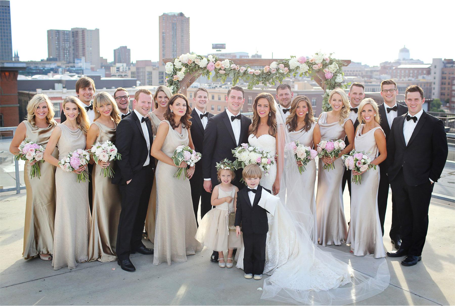 21-Saint-Paul-Minnesota-Wedding-Photographer-by-Andrew-Vick-Photography-Summer-Abulae-Bride-Groom-Bridal-Party-Bridesmaids-Groomsmen-Flower-Girl-Ring-Bearer-Molly-and-Dan.jpg