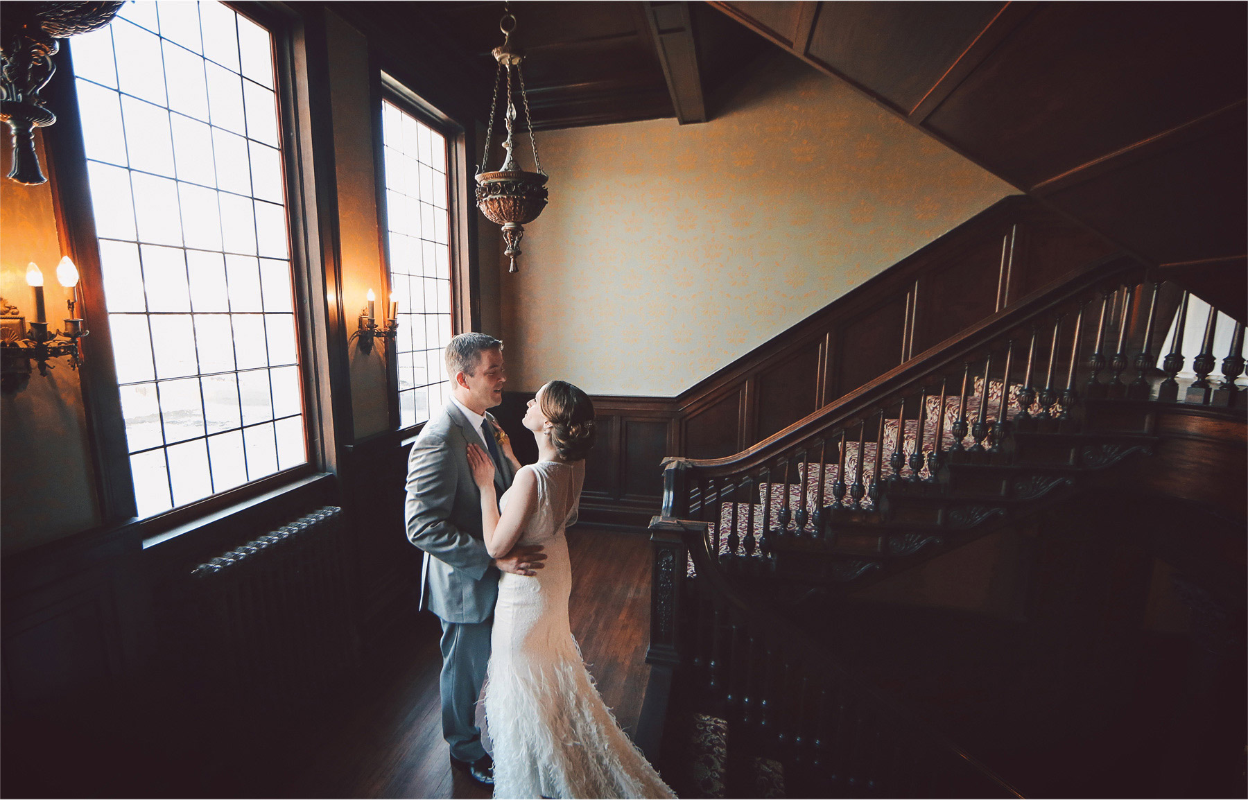 07-Minneapolis-Minnesota-Wedding-Photographer-by-Andrew-Vick-Photography-Summer-Semple-Mansion-Bride-Groom-Embrace-First-Meeting-Look-Vintage-Stephanie-and-Robert.jpg