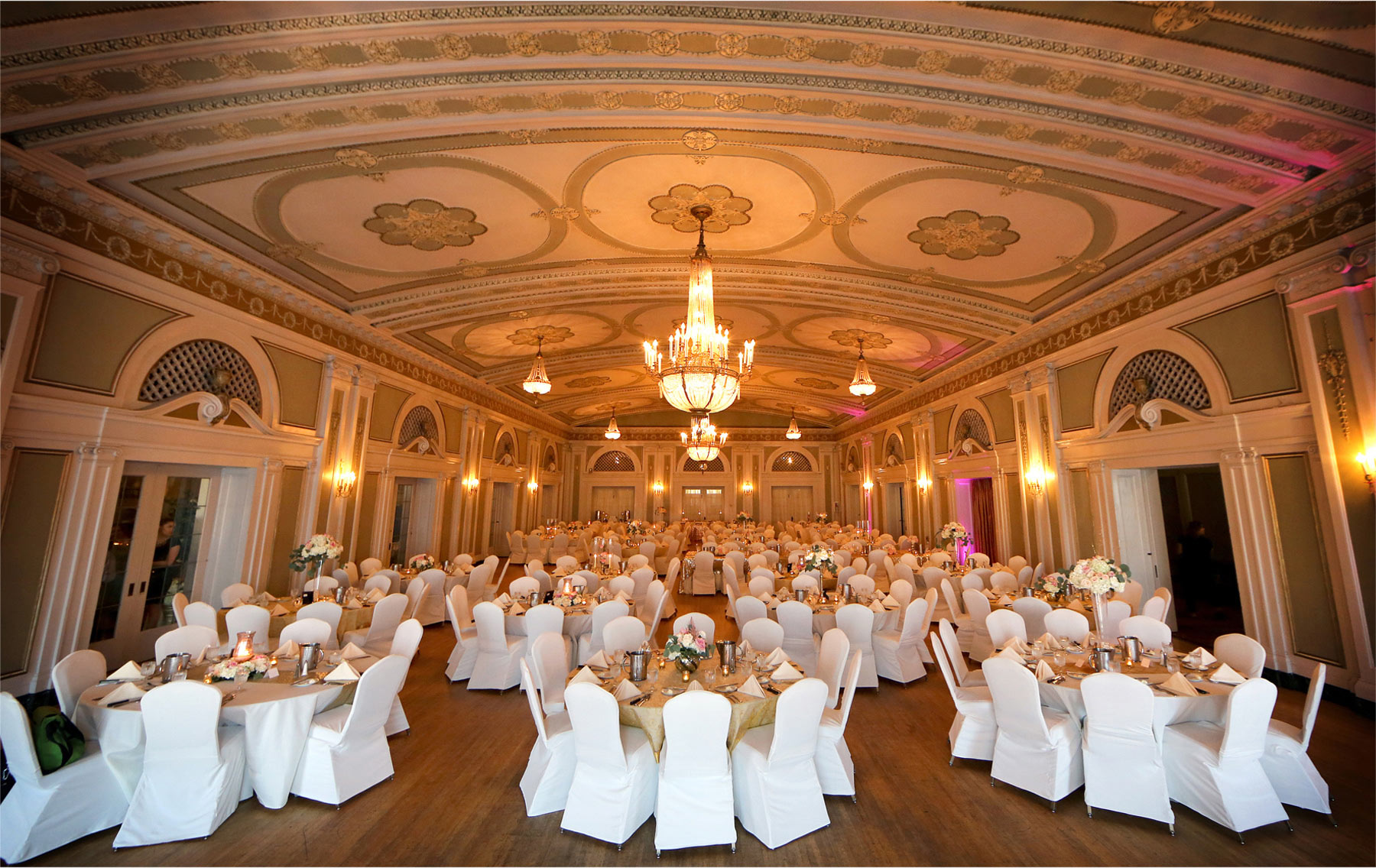 19-Duluth-Minnesota-Wedding-Photographer-by-Andrew-Vick-Photography-Summer-Greysolon-Ballroom-Reception-Decor-Decorations-Details-Table-Settings-Room-Lindsey-and-Adam.jpg