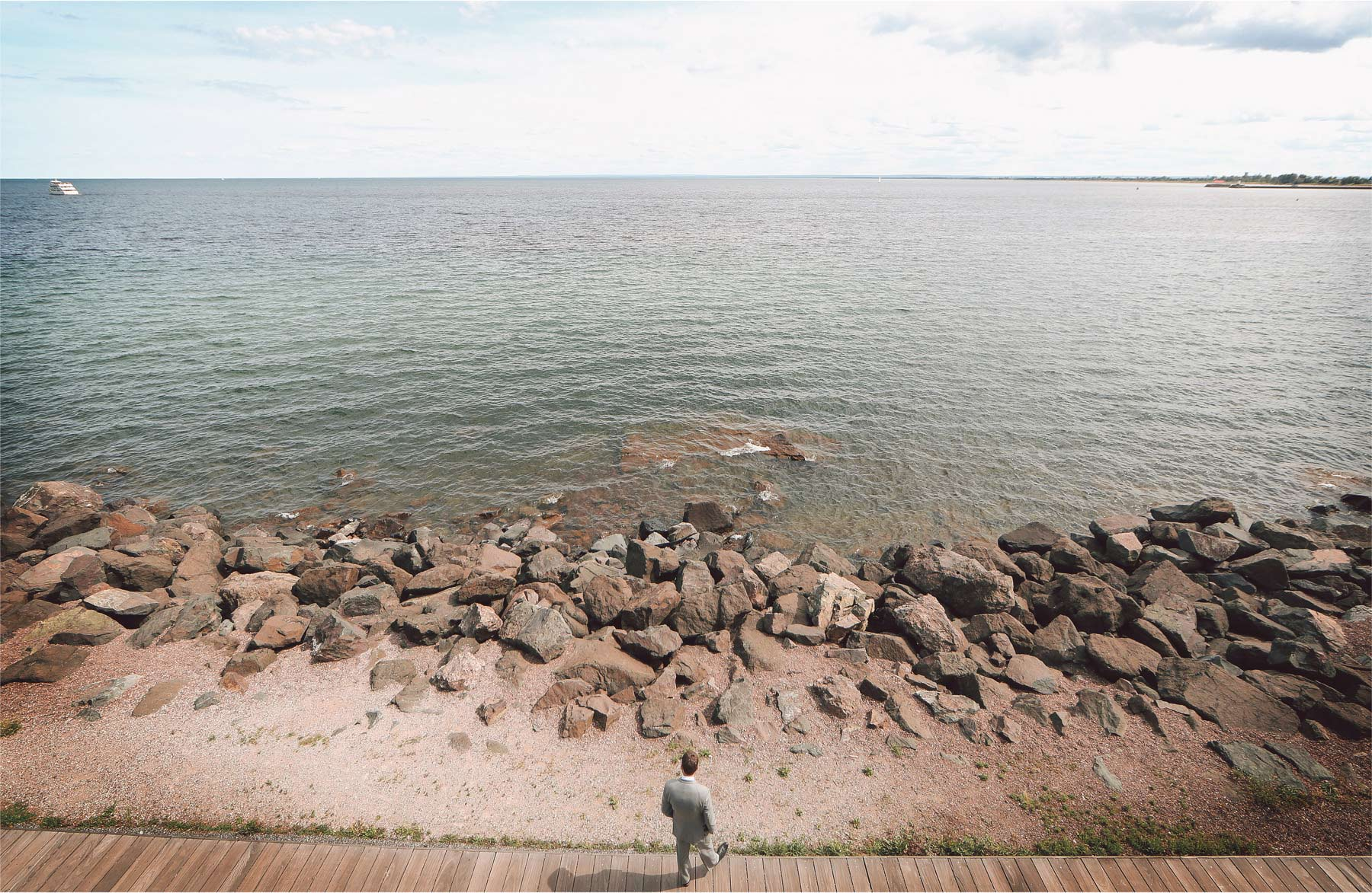 03-Duluth-Minnesota-Wedding-Photographer-by-Andrew-Vick-Photography-Summer-Groom-Lake-Superior-Vintage-Katie-and-Andrew.jpg