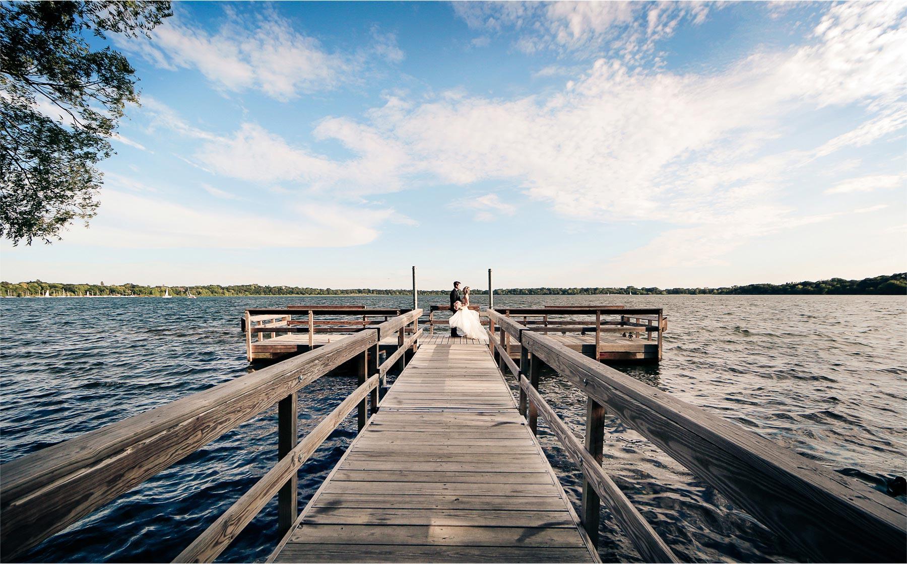 21-Minneapolis-Minnesota-Wedding-Photographer-by-Andrew-Vick-Photography-Summer-Lake-Calhoun-Bride-Groom-Docks-Vintage-Michelle-and-Kevin.jpg