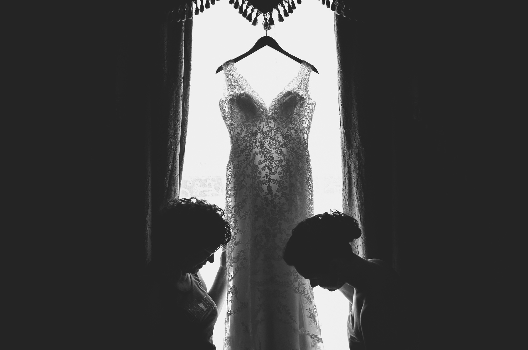 01-Minneapolis-Minnesota-Wedding-Photographer-by-Andrew-Vick-Photography-Summer-Renaissance-Depot-Getting-Ready-Bride-Mother-Parents-Dress-Black-and-White-Ashley-and-Eric.jpg