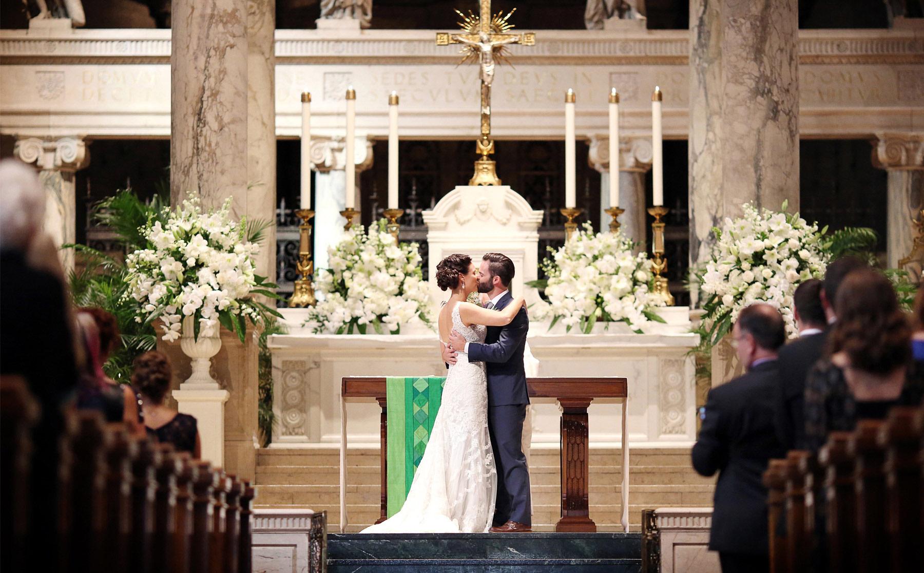 14-Minneapolis-Minnesota-Wedding-Photographer-by-Andrew-Vick-Photography-Summer-Basilica-of-Saint-Mary-Church-Ceremony-Bride-Groom-Kiss-Ashley-and-Eric.jpg