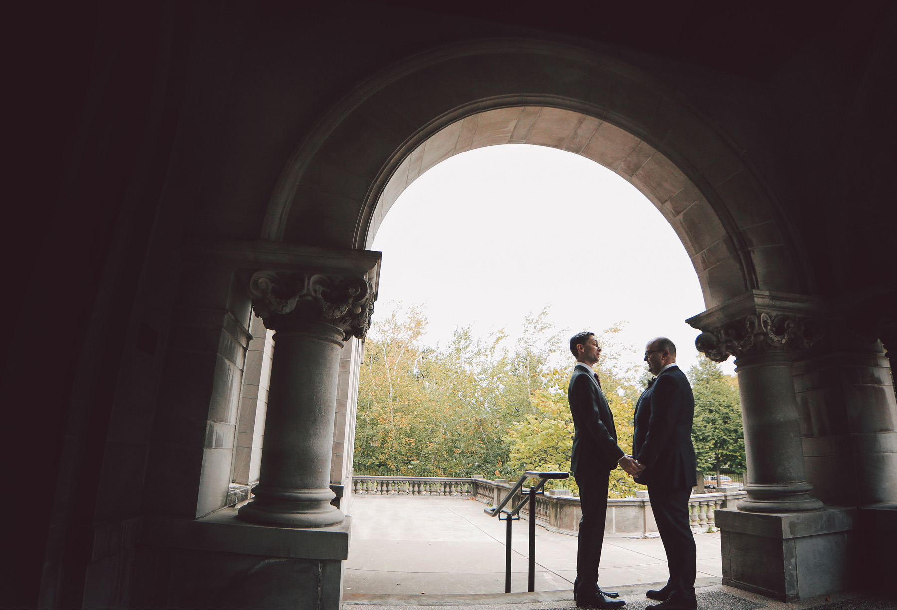 03-Minneapolis-Minnesota-Wedding-Photographer-by-Andrew-Vick-Photography-Fall-Autumn-American-Swedish-Institute-First-Meeting-Look-Groom-Vintage-Ben-and-Adam.jpg