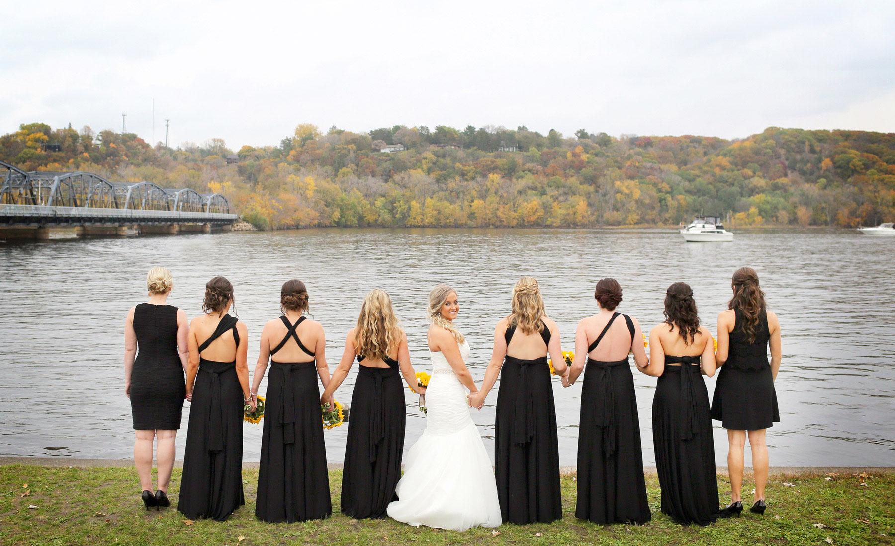 10-Stillwater-Minnesota-Wedding-Photographer-by-Andrew-Vick-Photography-Fall-Autumn-Lift-Bridge-Saint-Croix-River-Bride-Bridesmaids-Sunflowers-Flowers-Micaela-and-Derek.jpg
