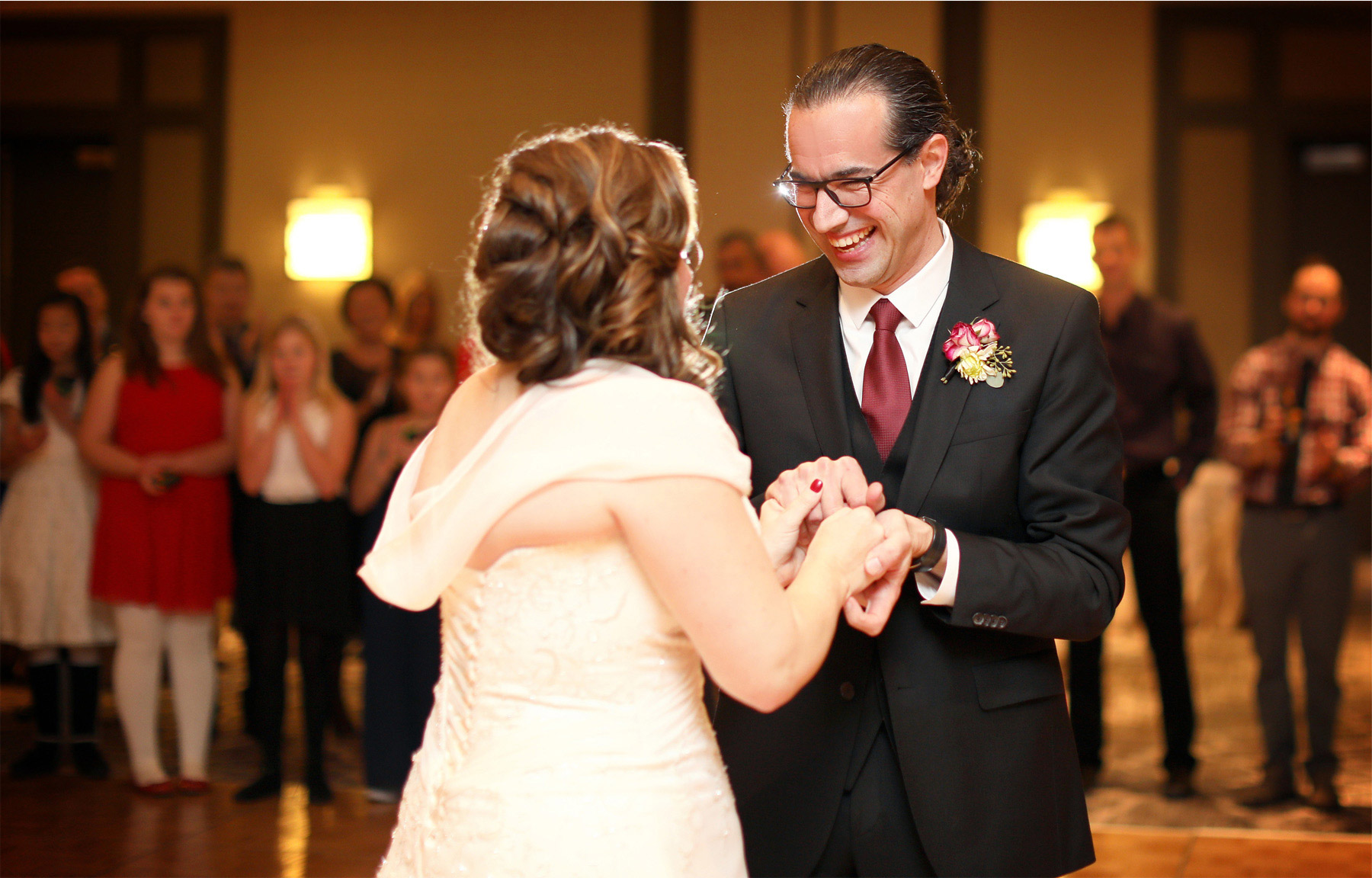 20-Minnetonka-Minnesota-Wedding-Photographer-by-Andrew-Vick-Photography-Winter-Marriott-Southwest-Reception-Bride-Groom-Dance-Elizabeth-and-Brian.jpg.jpg