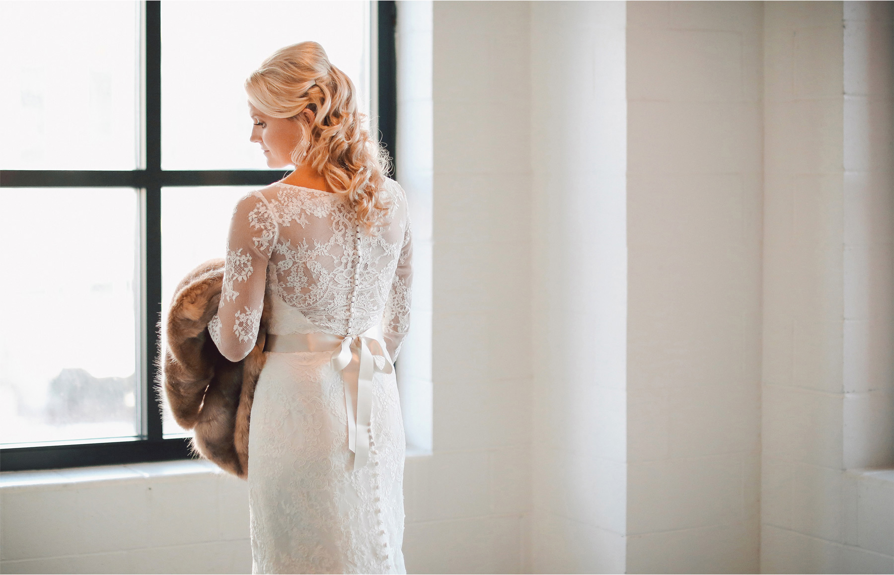 03-Minneapolis-Minnesota-Wedding-Photographer-by-Andrew-Vick-Photography-Winter-Graduate-Commons-Hotel-Getting-Ready-Bride-Fur-Shrug-Dress-Vintage-Brittany-and-Joseph.jpg