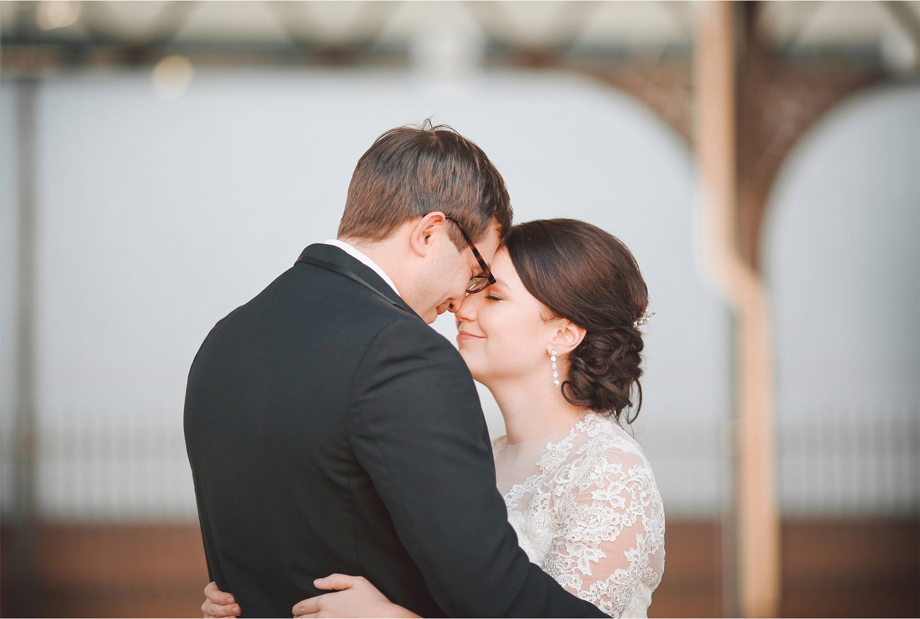 05-Minneapolis-Minnesota-Wedding-Photographer-by-Andrew-Vick-Photography-Winter-Renaissance-Hotel-First-Meeting-Look-Bride-Groom-Depot-Embrace-Vintage-Sara-and-Rob.jpg