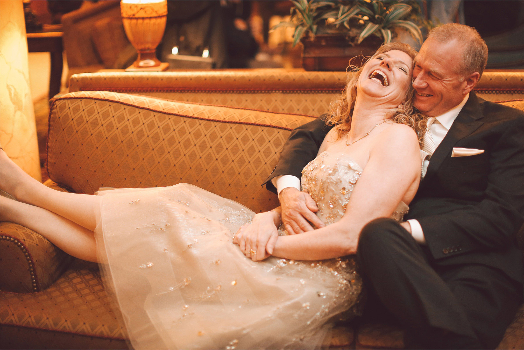 05-Saint-Paul-Minnesota-Wedding-Photographer-by-Andrew-Vick-Photography-Winter-Landmark-Center-First-Meeting-Look-Bride-Groom-Embrace-Laughter-Vintage-Dannette-and-Darren.jpg