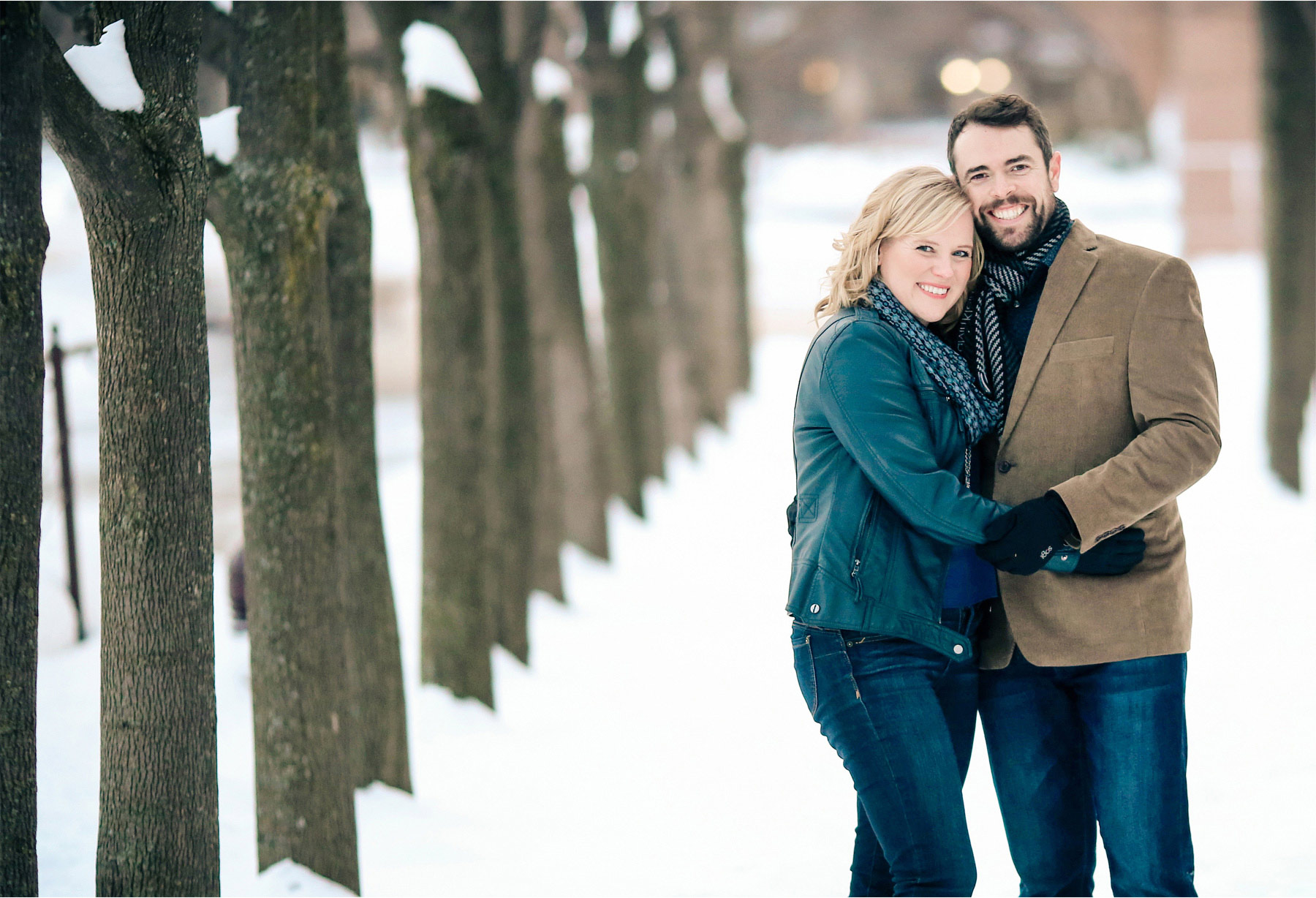04-Edina-Minnesota-Wedding-Photographer-by-Andrew-Vick-Photography-Winter-Engagement-Bride-Groom-Snow-Embrace-Vintage-Heather-and-Rob.jpg