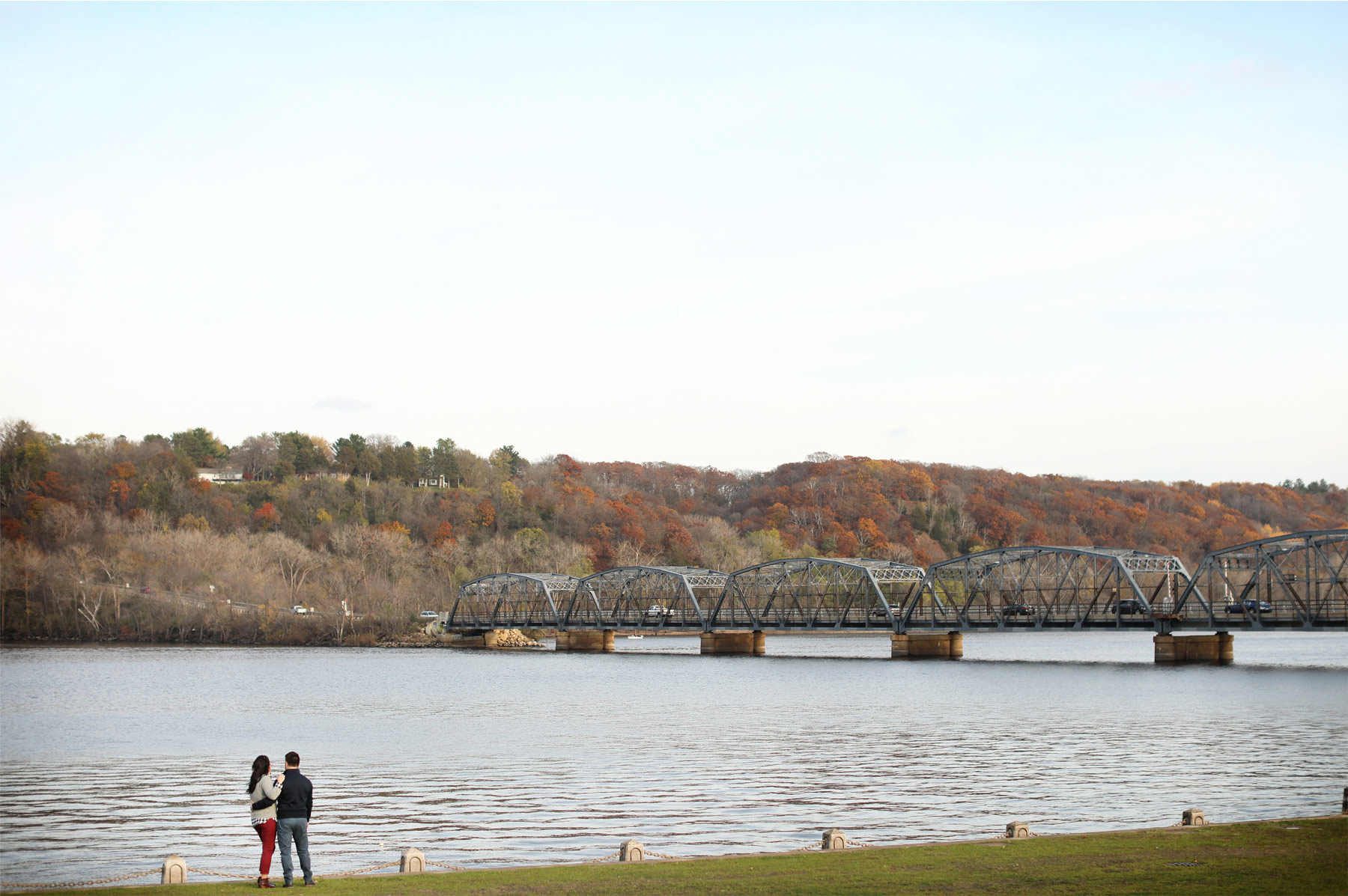 13-Stillwater-Minnesota-Wedding-Photographer-by-Andrew-Vick-Photography-Fall-Autumn-Engagement-Bride-Groom-Lift-Bridge-Embrace-Gillian-and-Nick.jpg
