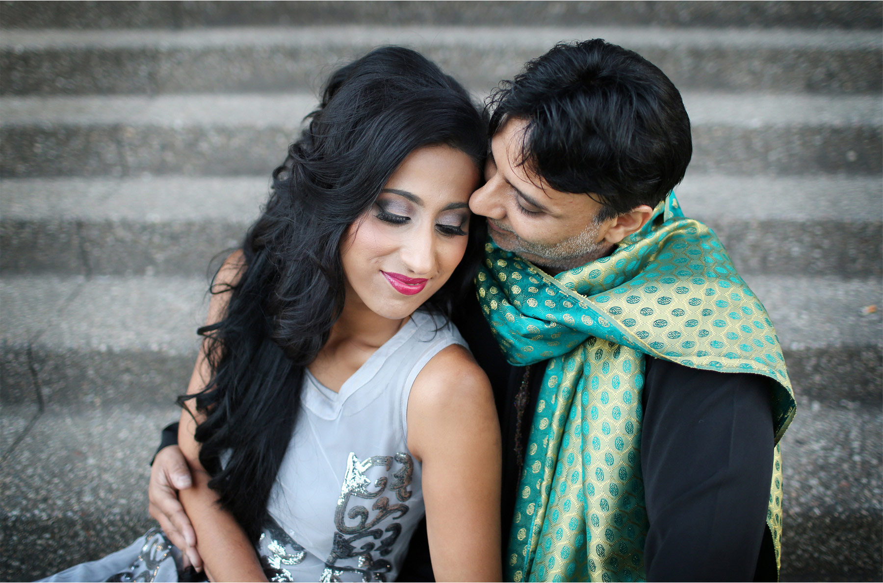 13-Minneapolis-Minnesota-Wedding-Photographer-by-Andrew-Vick-Photography-Summber-Engagement-Bride-Groom-Guthrie-Theater-Embrace-Tradional-Indian-Clothing-Natasha-and-Sohail.jpg