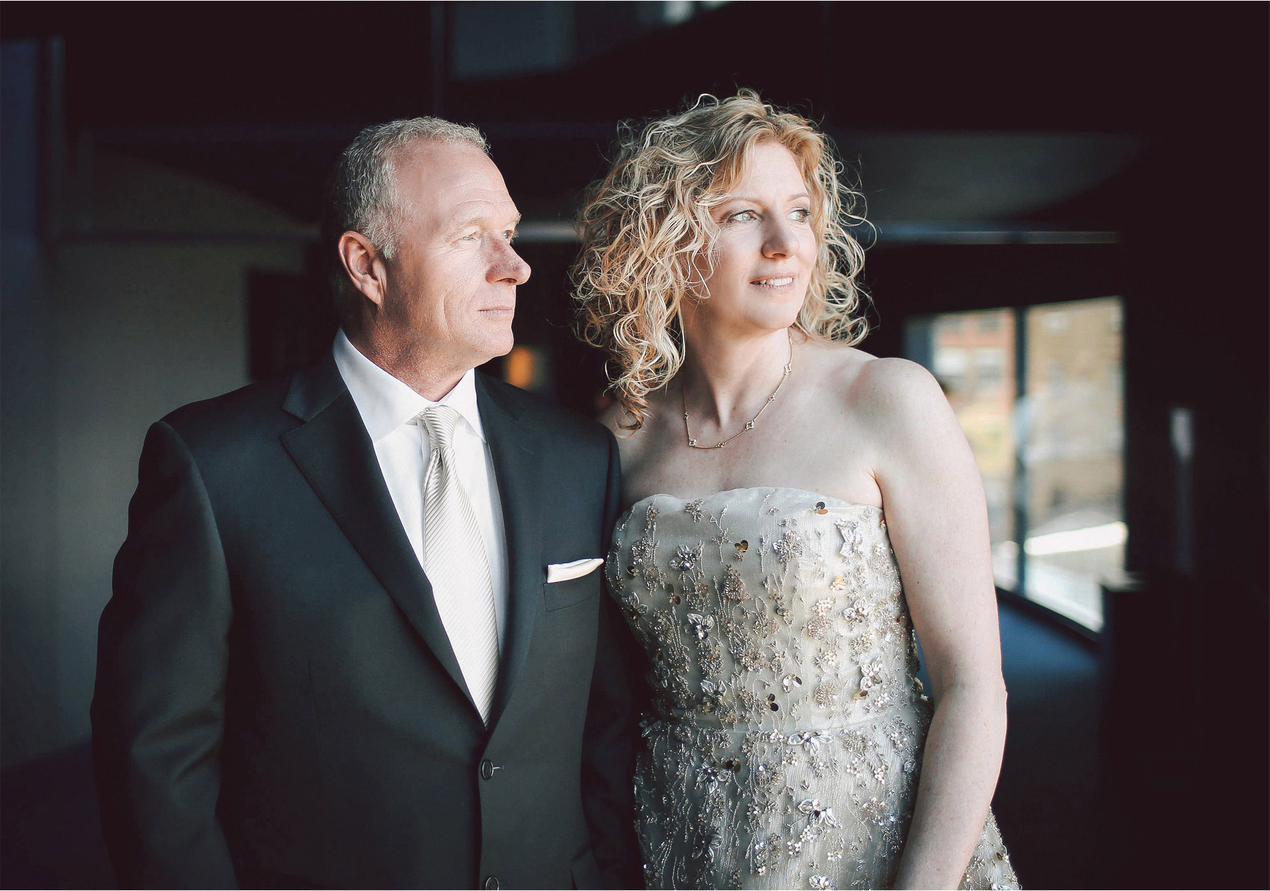 05-Minneapolis-Minnesota-Wedding-Photographer-by-Andrew-Vick-Photography-Spring-Guthrie-Theater-Downtown-Bride-Groom-Vintage-Dannette-and-Darren.jpg