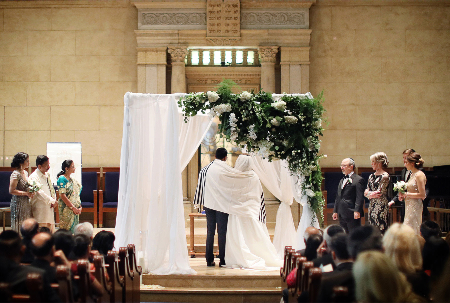 14-Minneapolis-Minnesota-Wedding-Photographer-by-Andrew-Vick-Photography--Spring-Temple-Israel-Synagogue-Ceremony-Bride-Groom-Family-Chuppah-Rachel-and-Venu.jpg