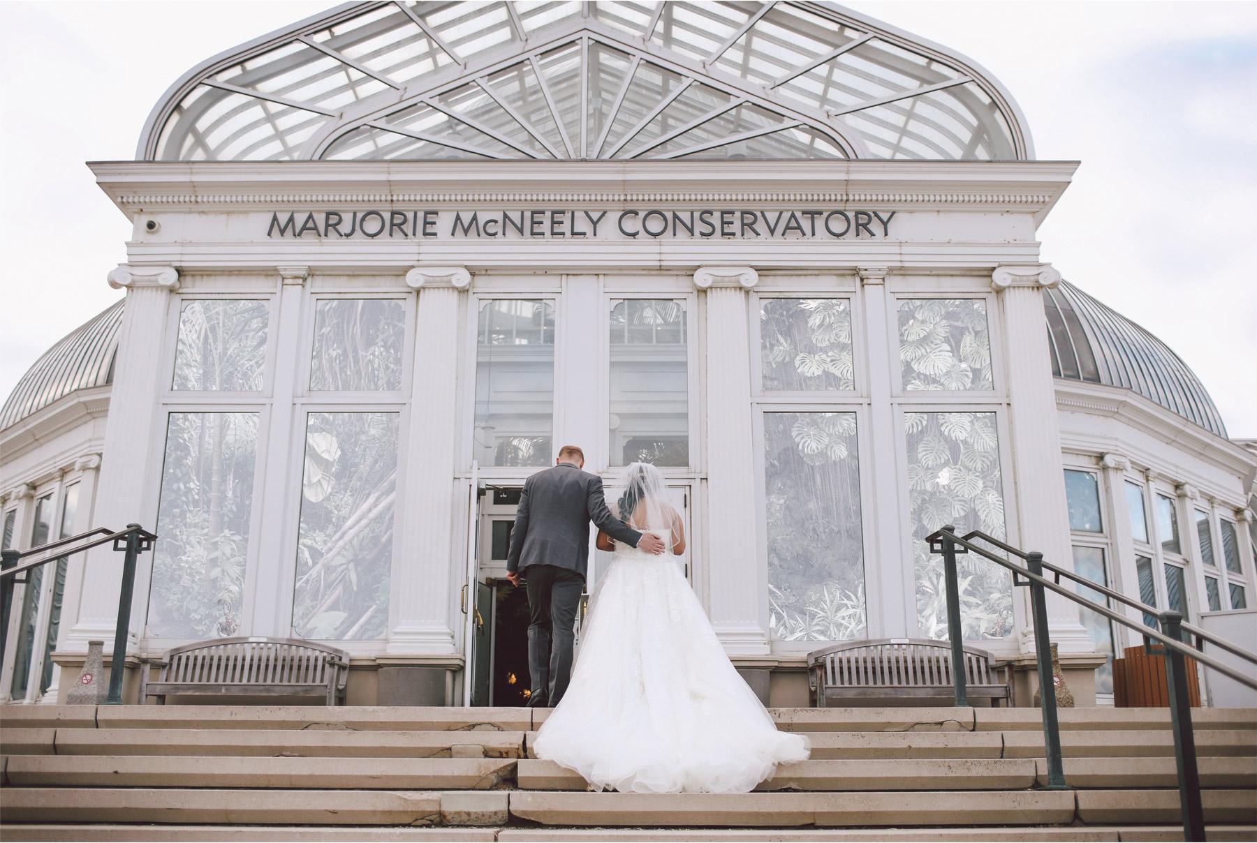 10-Saint-Paul-Minnesota-Wedding-Photography-by-Vick-Photography-Como-Park-Conservatory-Bride-Groom-Elena-and-Doug.jpg