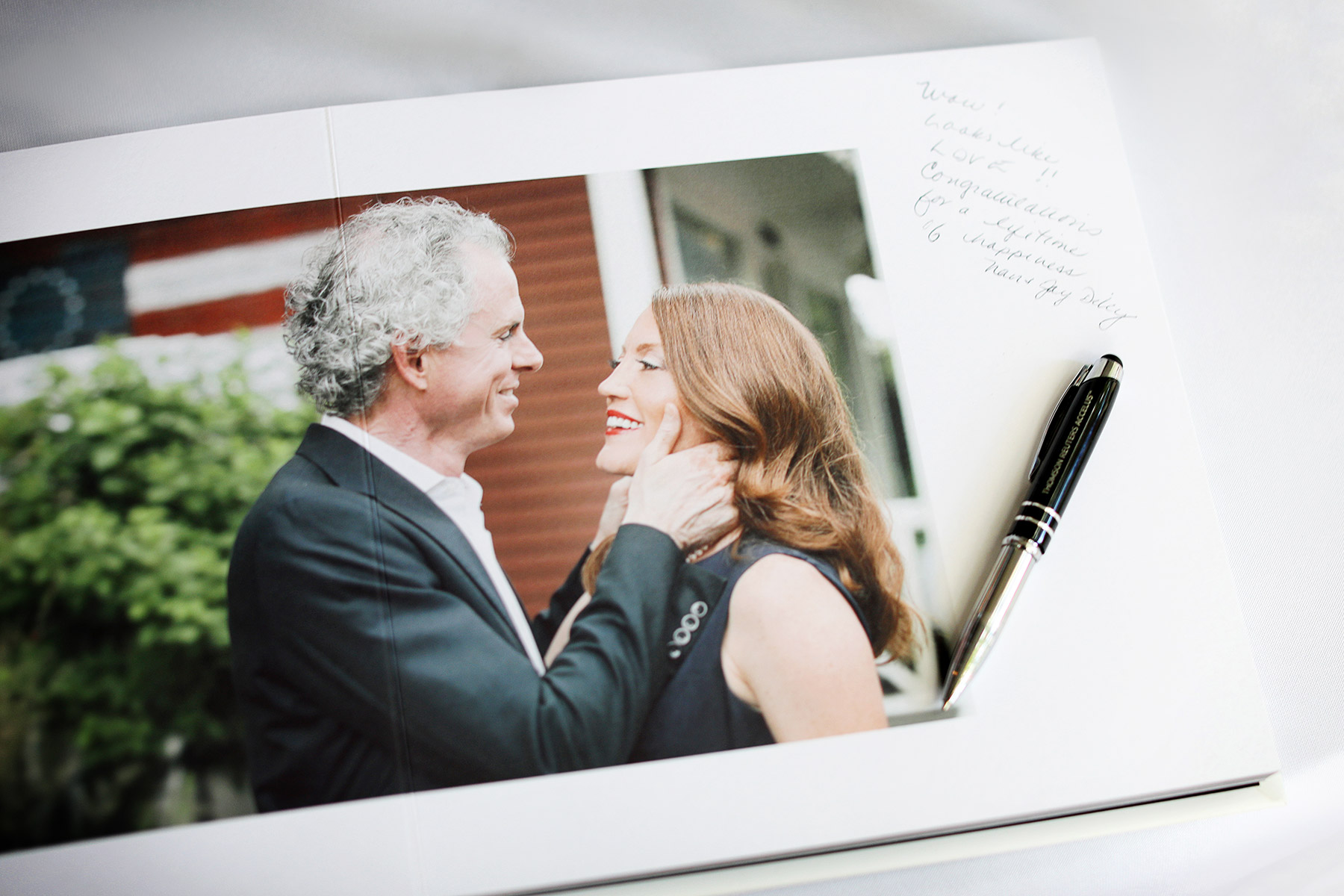 Vick-Photography-Guest-book.jpg