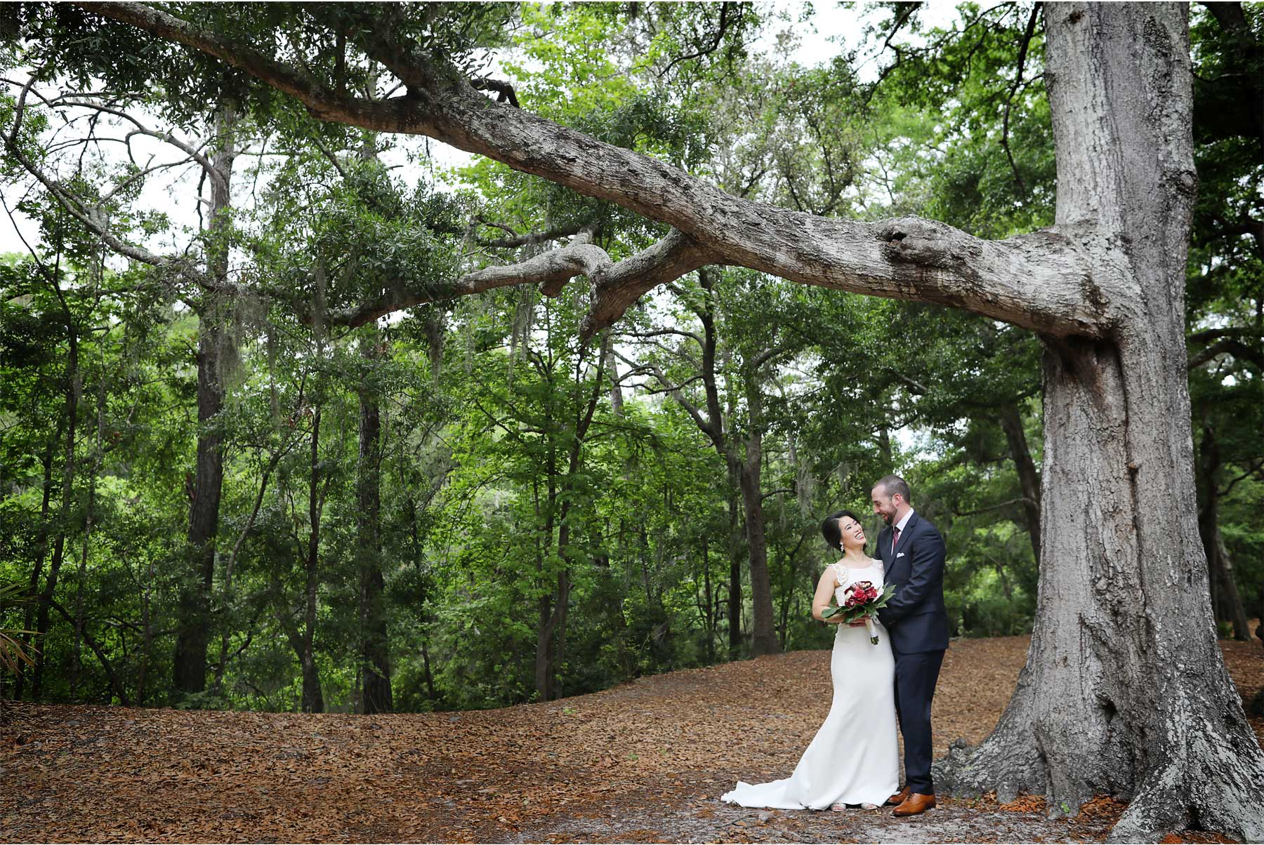 12-South-Carolina-Wedding-by-Vick-Photography-Hilton-Head-Island-Omni-Oceanfront-Hotel-Destination-Trees-Moss-Tropical-Felyn-and-Will.jpg