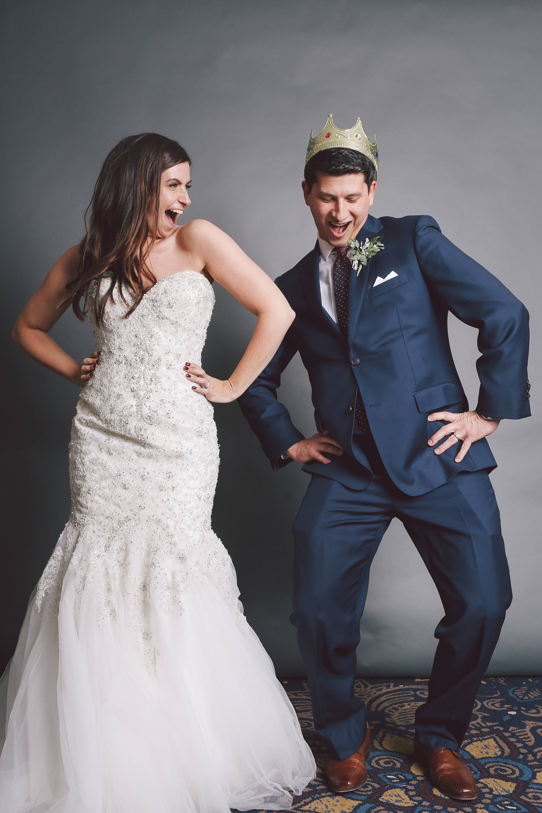Vick-Photography-Crazy-Cam-Photo-Booth-Bride-Groom.jpg
