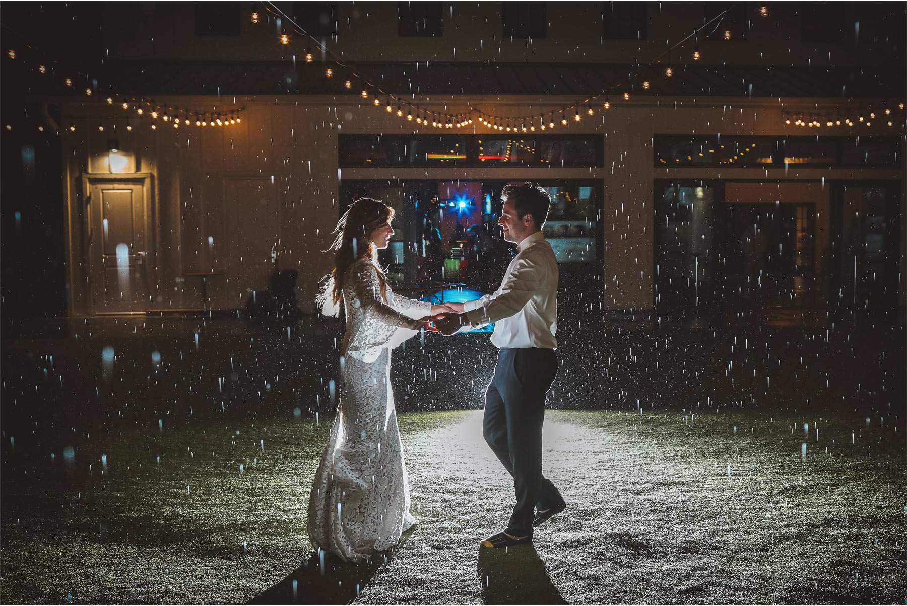 21-Minneapolis-Minnesota-Wedding-Photography-by-Andrew-Vick-Photography-Hutton-House-Reception-Outdoor-Night-Rain-Kelsey-and-Matt.jpg