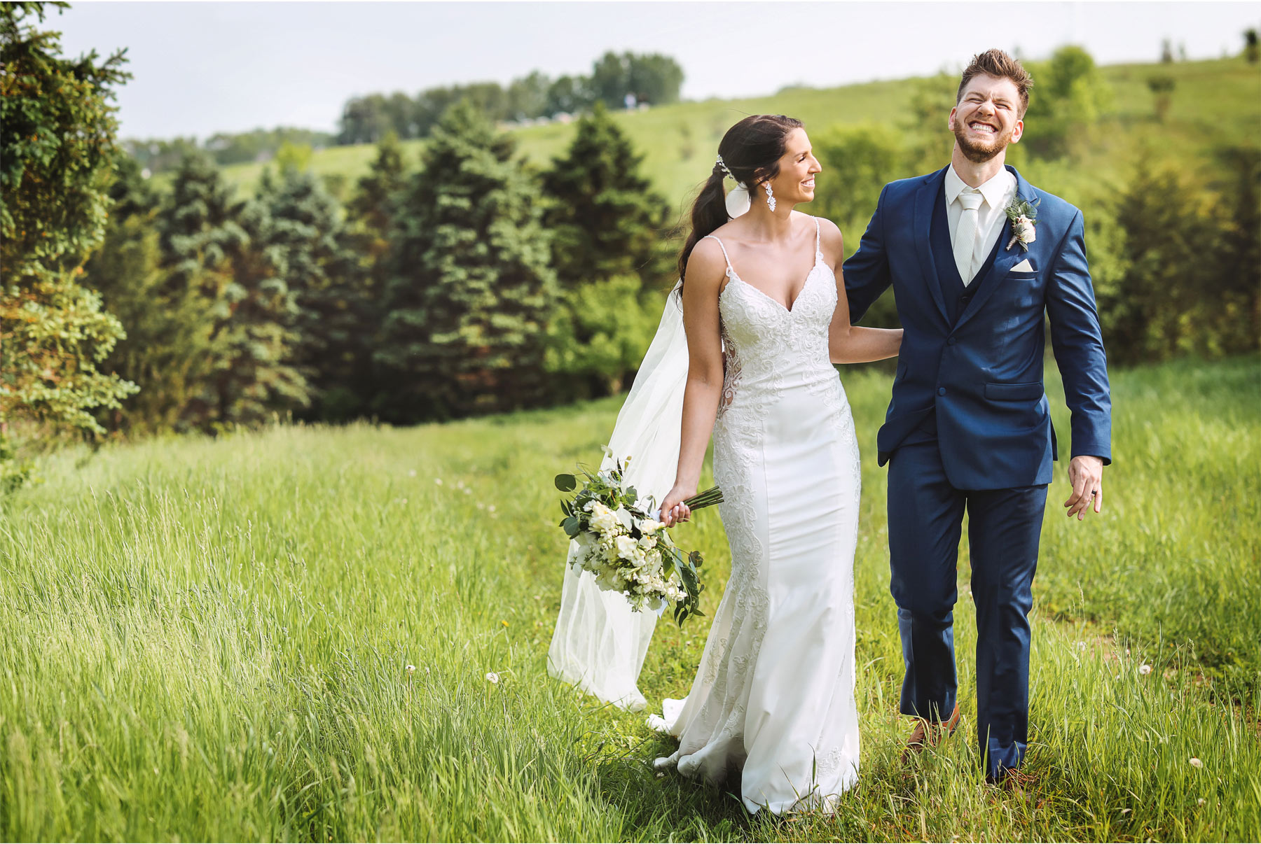 15-Minneapolis-Minnesota-Wedding-Andrew-Vick-Photography-Bavaria-Downs-Bride-Groom-Summer-Field-Laughing-Paige-and-Blake.jpg