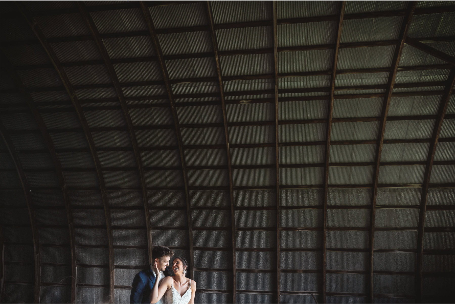 18-Minneapolis-Minnesota-Wedding-Andrew-Vick-Photography-Bavaria-Downs-Bride-Groom-Summer-Barn-Paige-and-Blake.jpg