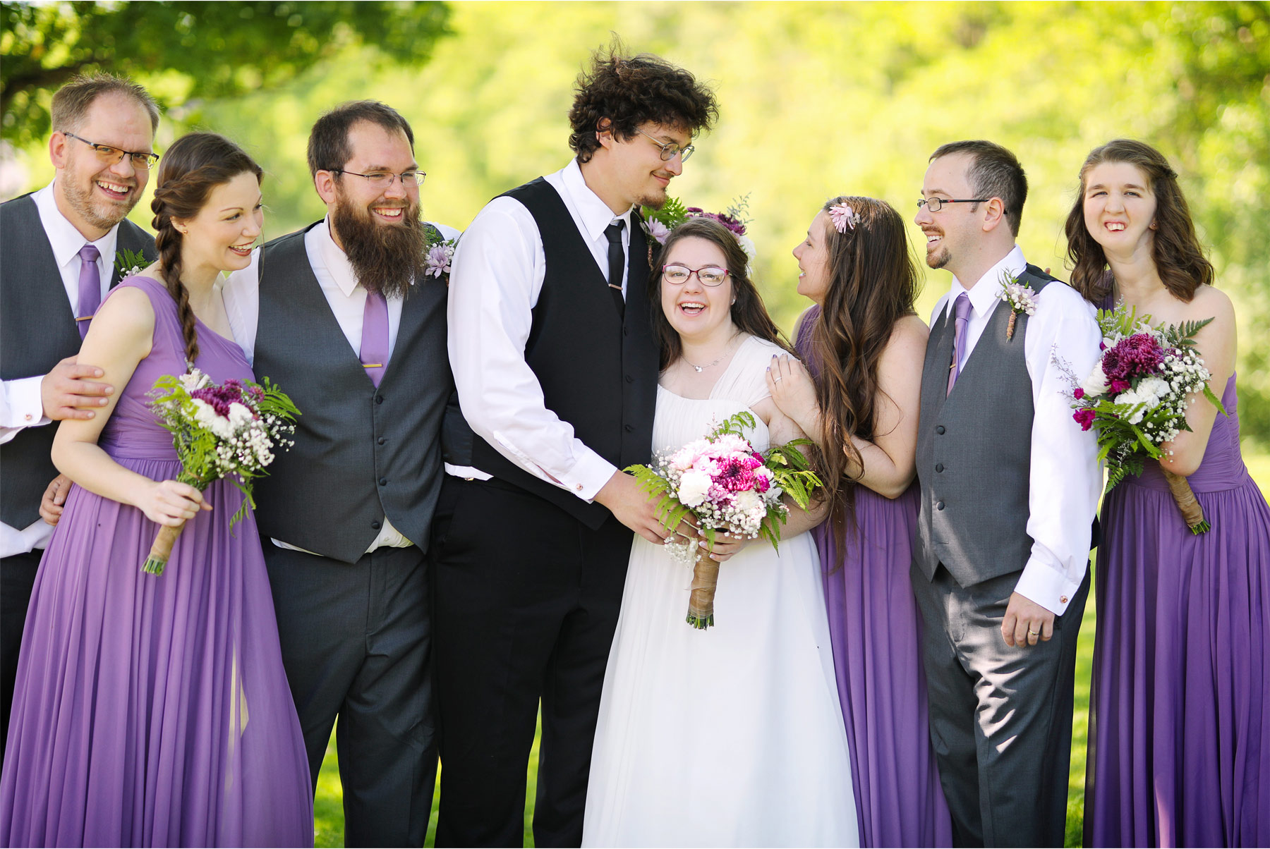 08-Minneapolis-Minnesota-Wedding-Andrew-Vick-Photography-Summer-Bridesmaids-Groomsmen-Purple-Ashley-and-Matt.jpg