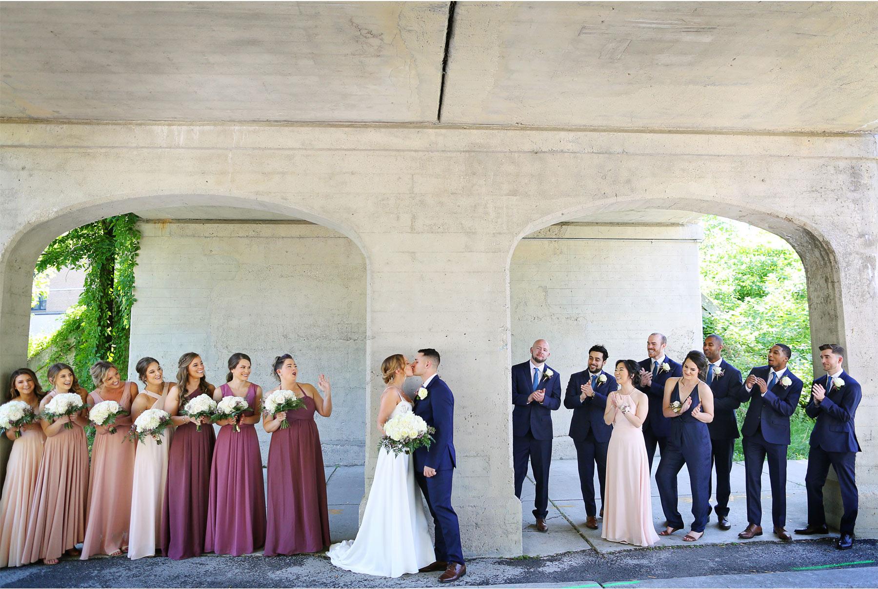 10-Minneapolis-Minnesota-Wedding-Andrew-Vick-Photography-Calhoun-Beach-Club-Groom-Bride-Outside-Summer-Wedding-Party-Samantha-and-Ryan.jpg