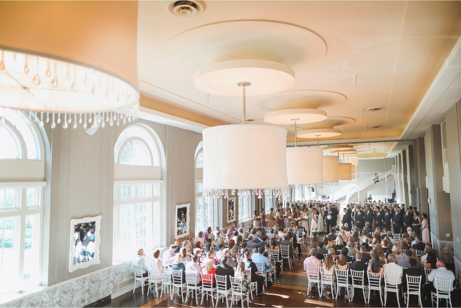 13-Minneapolis-Minnesota-Wedding-Andrew-Vick-Photography-Calhoun-Beach-Club-Ceremony-Samantha-and-Ryan.jpg