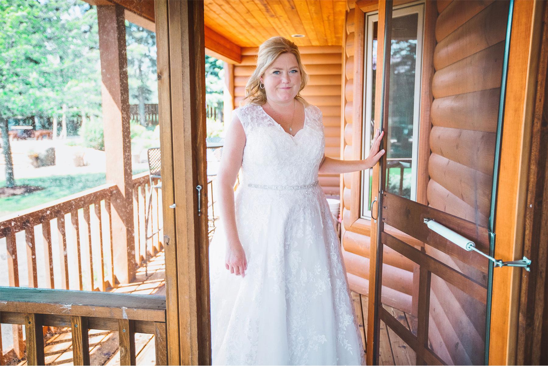 01-Vick-Photography-Wedding-Brainerd-Minnesota-Pine-Peaks-Lodge-Cabin-Rustic-Bride-Kristi-and-Noel.jpg