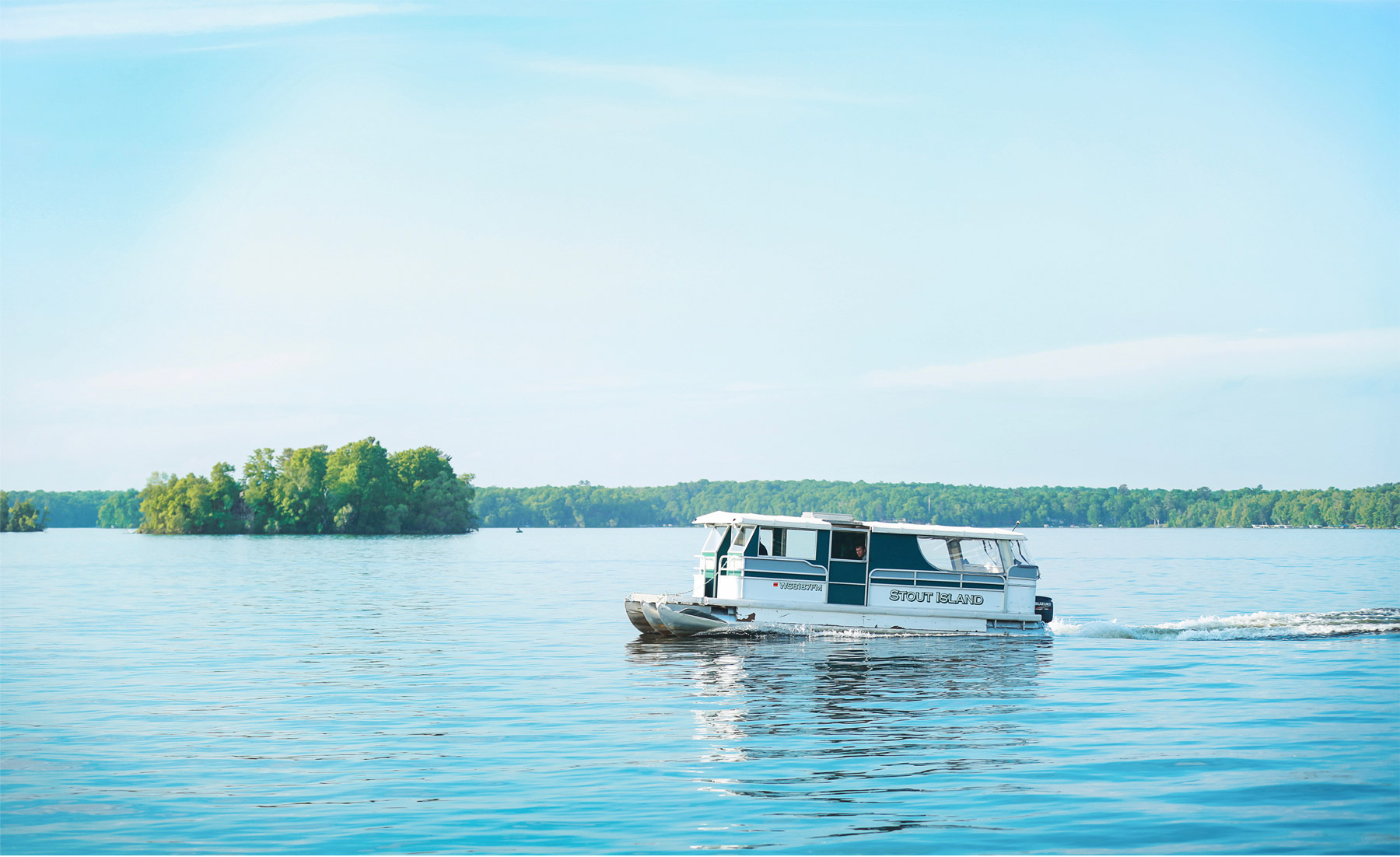 01-Vick-Photography-Wedding-Stouts-Island-Lodge-Wisconsin-Lake-Boat-Ferry-Summer-MiJa-and-Lucius.jpg