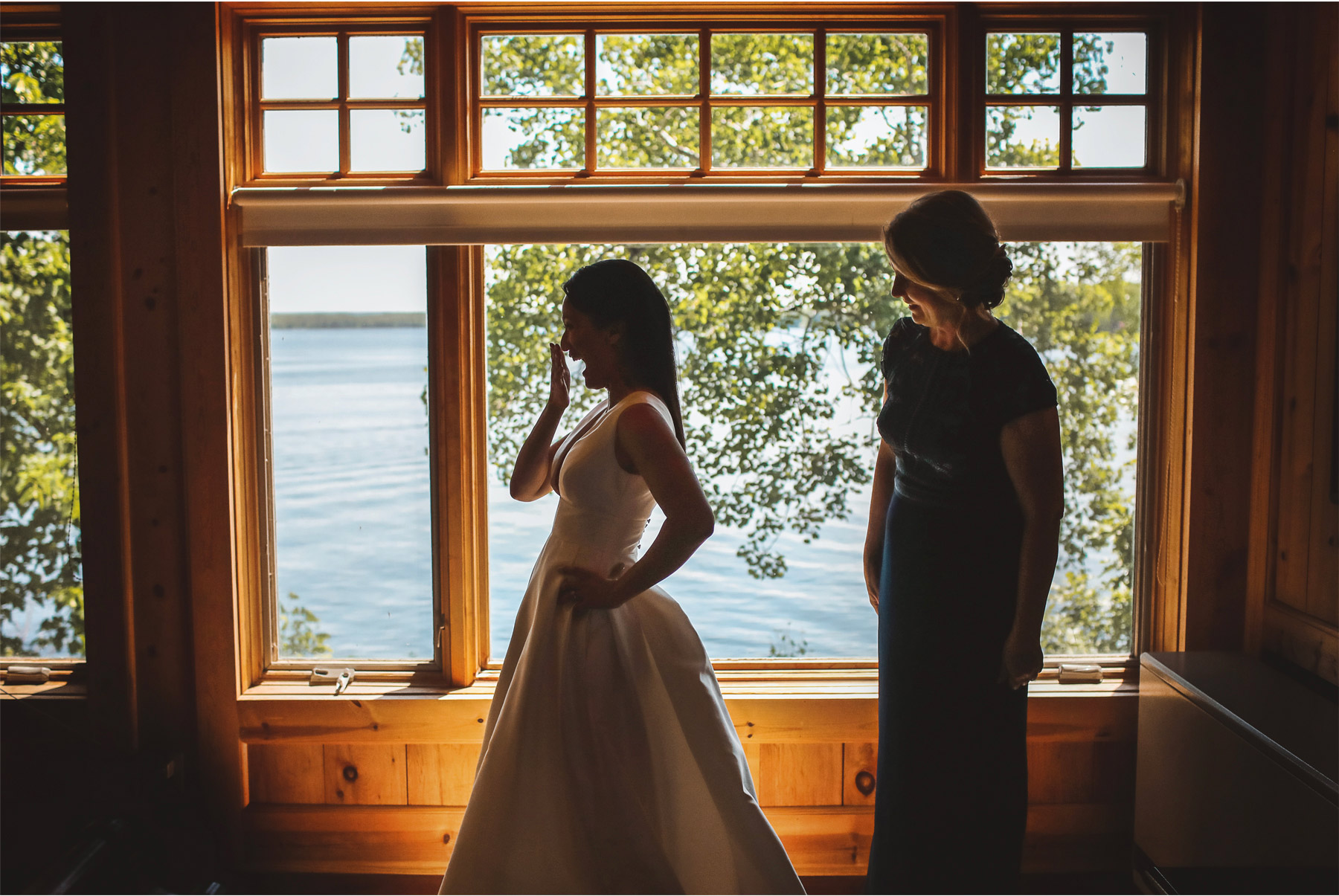 06-Vick-Photography-Wedding-Stouts-Island-Lodge-Wisconsin-Summer-Dress-Mother-Bride-Laughing-MiJa-and-Lucius.jpg