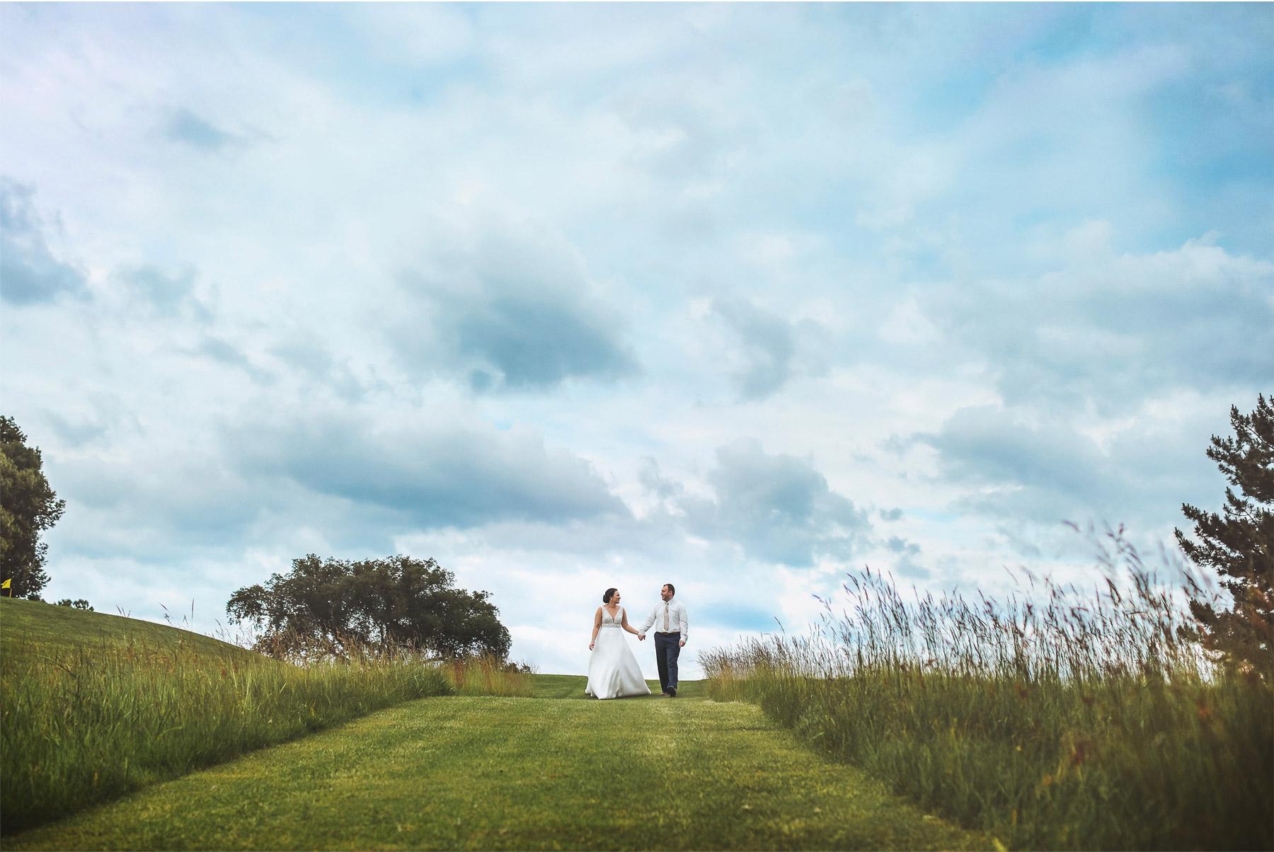 21-Vick-Photography-Wedding-Minneapolis-Minnesota-Edina-Country-Club-Reception-Bride-Groom-Erin-and-David.jpg