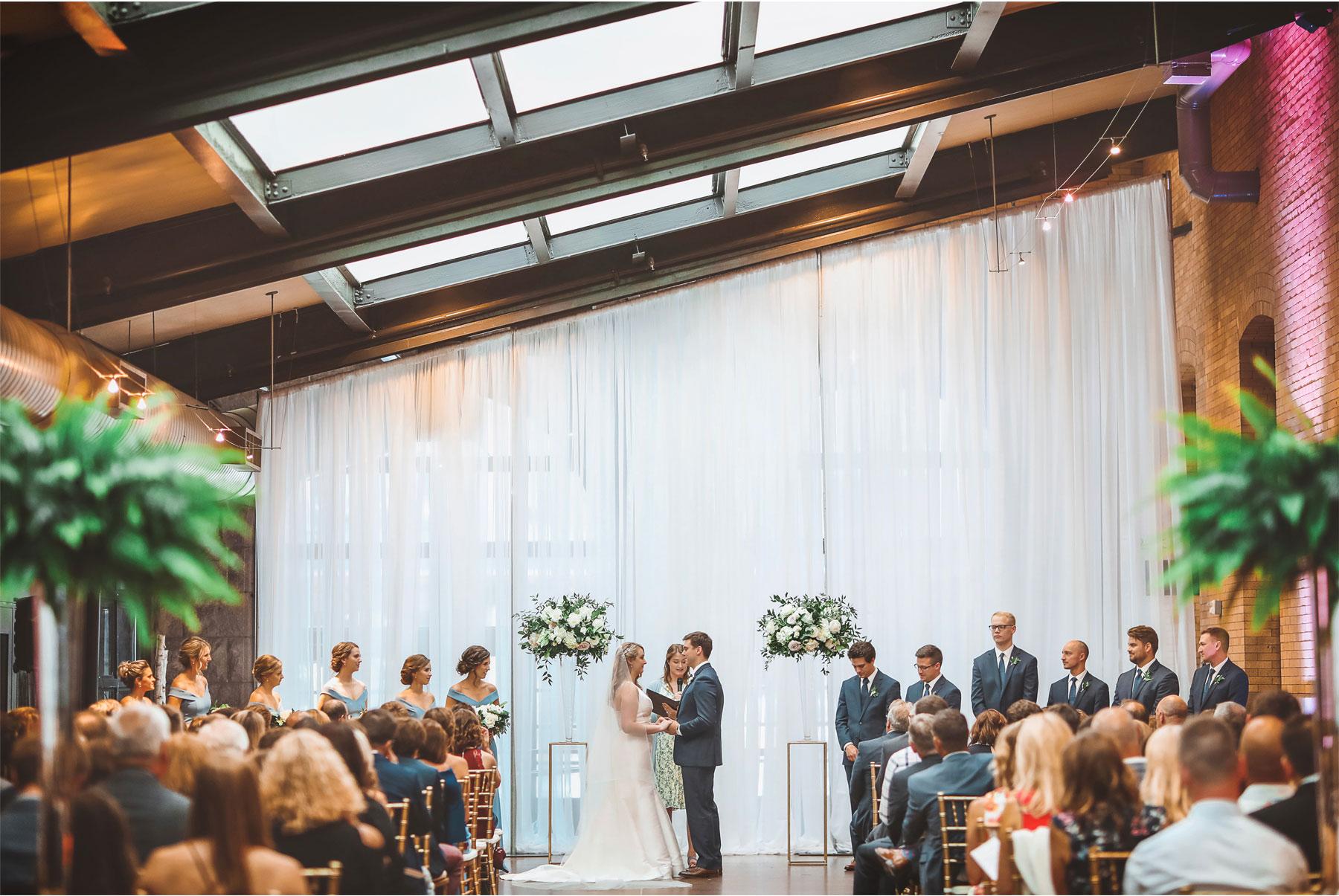 16-Minneapolis-Minnesota-Wedding-Vick-Photography-The-Depot-Ceremony-Amelia-and-Alexander.jpg