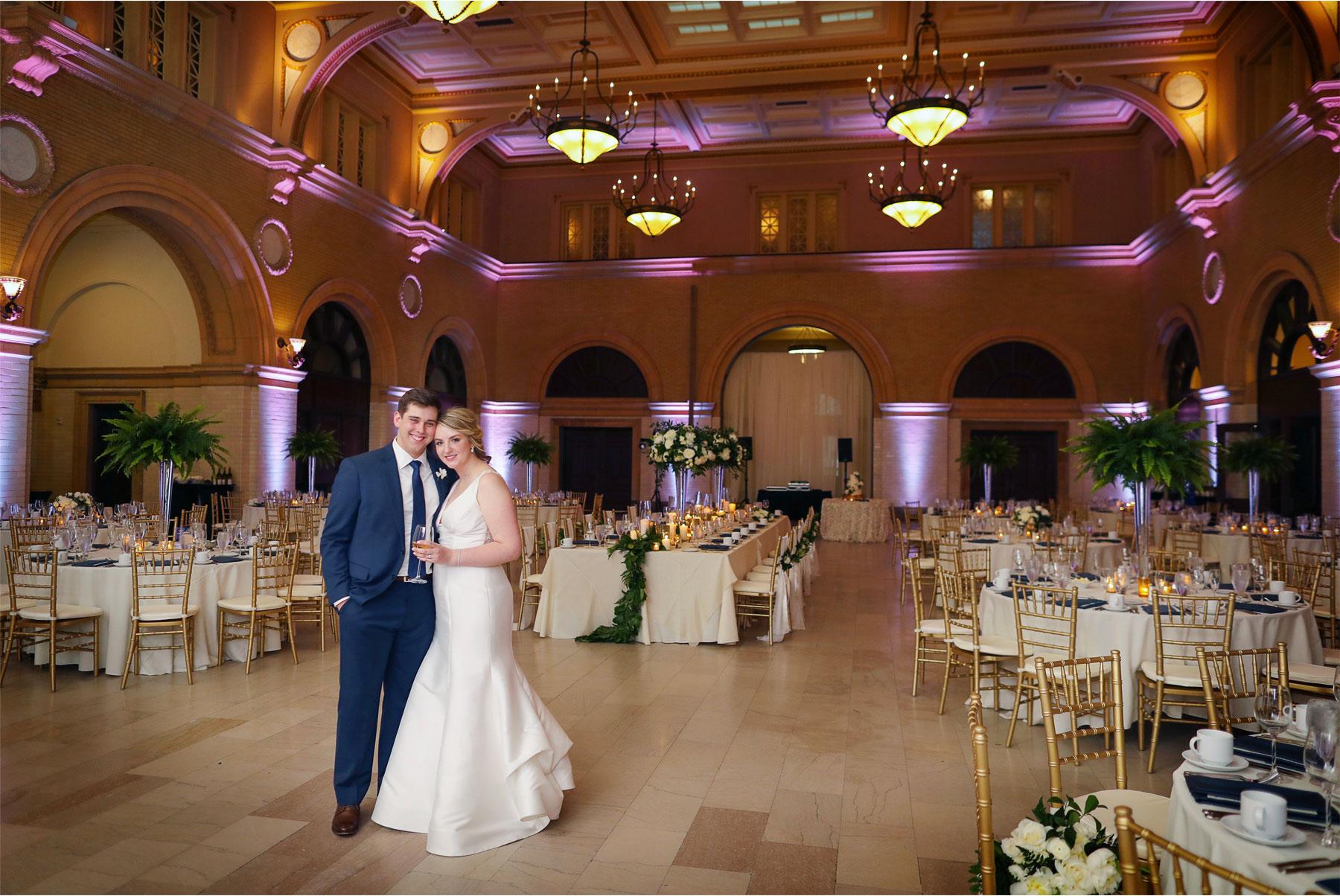 19-Minneapolis-Minnesota-Wedding-Vick-Photography-The-Depot-Reception-Room-Amelia-and-Alexander.jpg