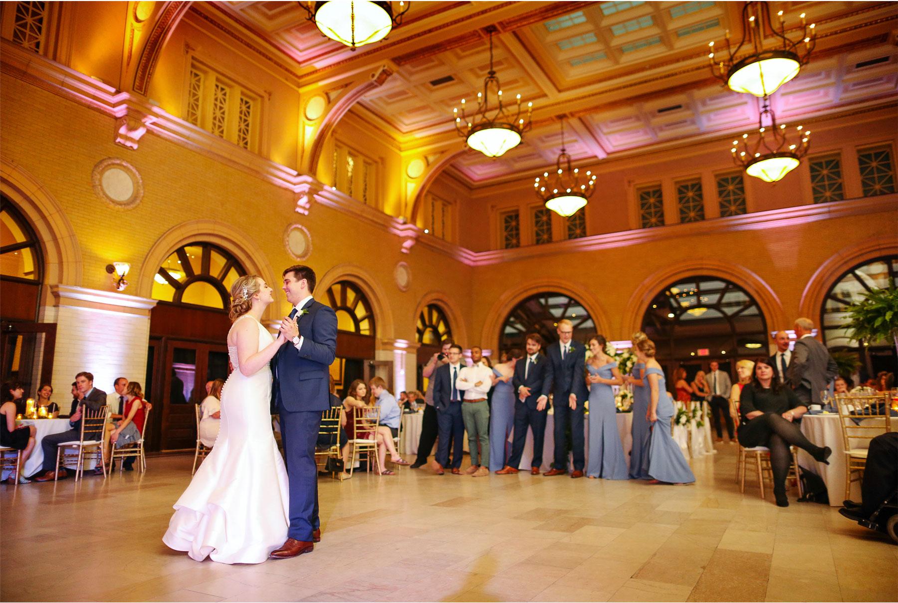 21-Minneapolis-Minnesota-Wedding-Vick-Photography-The-Depot-Reception-First-Dance-Amelia-and-Alexander.jpg