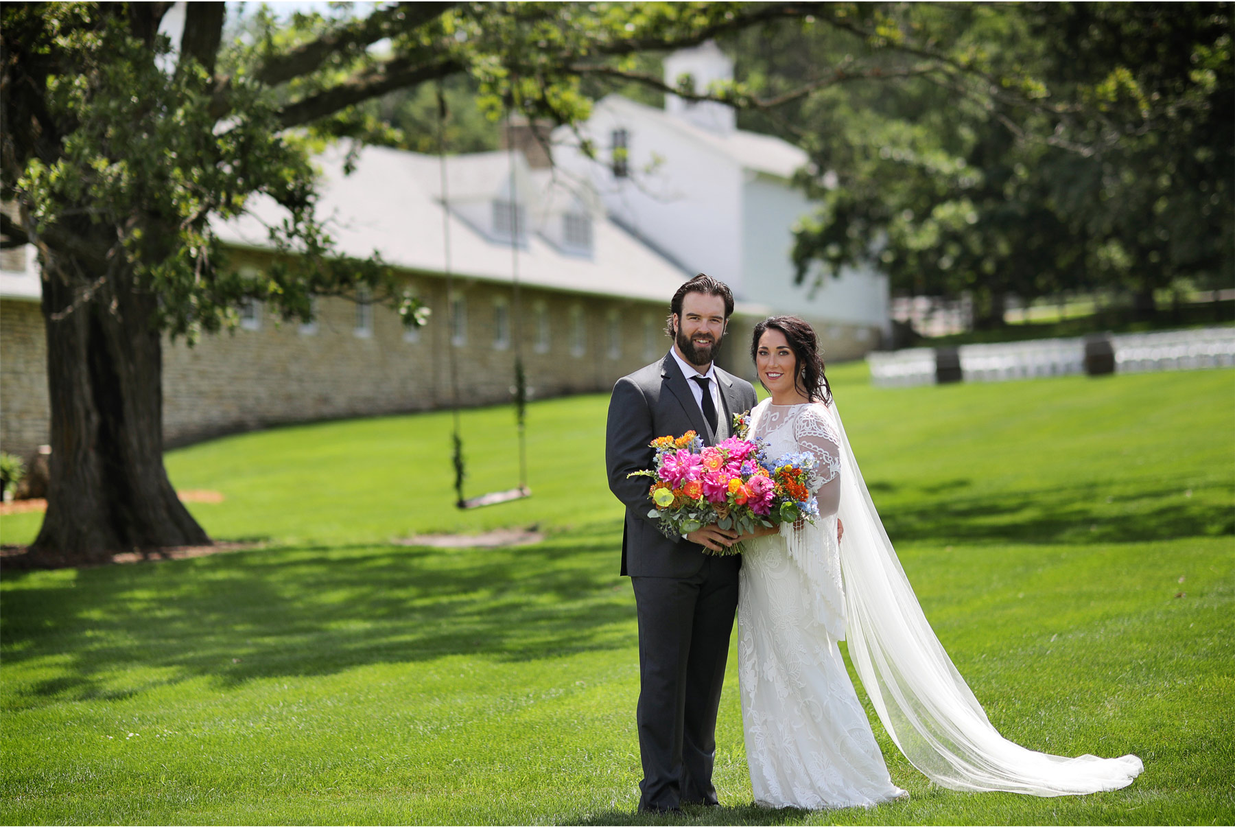 09-Vick-Photography-Rochester-Minnesota-Mayowood-Stone-Barn-Country-Wedding-Summer-Bride-Groom-Lizz-and-Brady.jpg