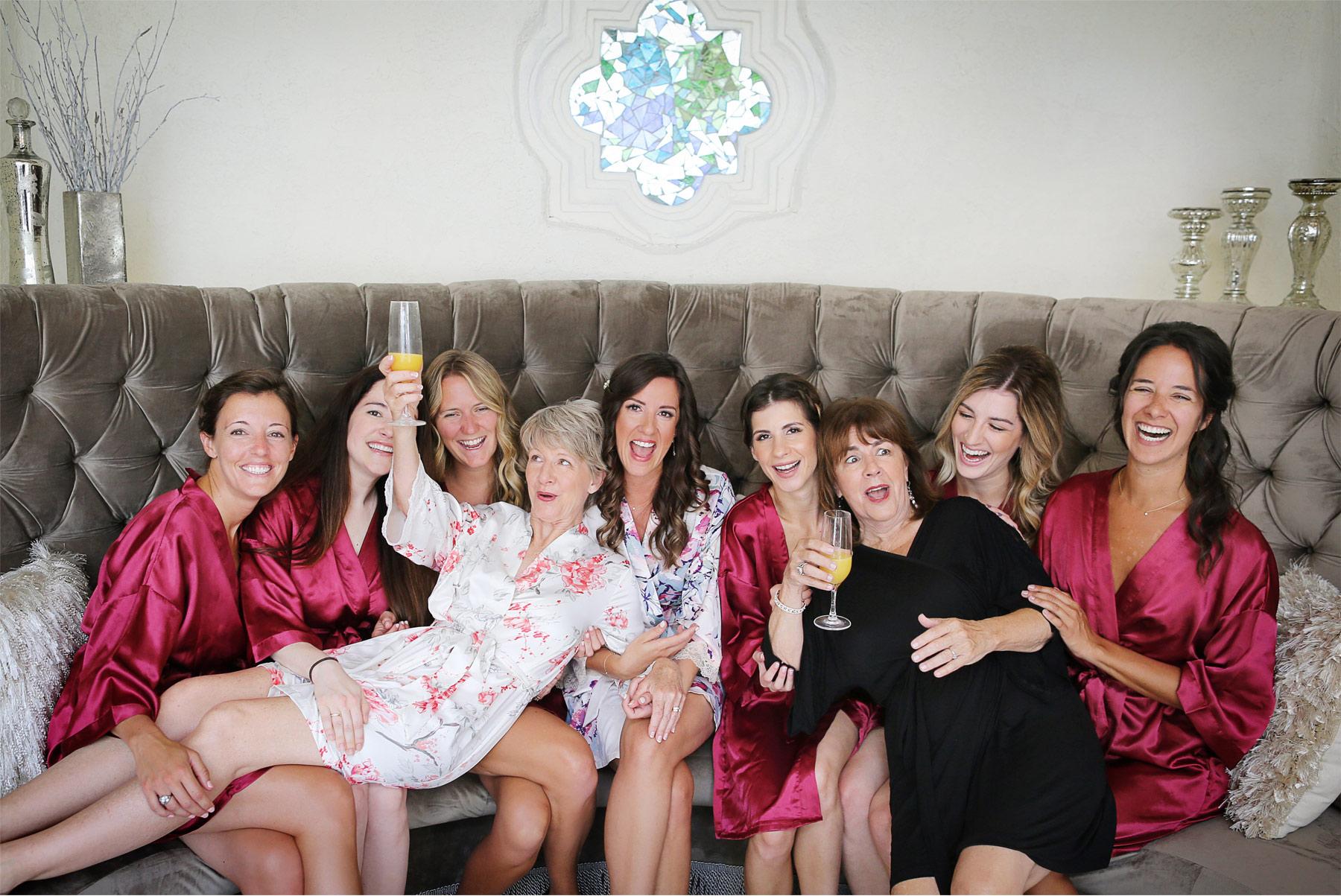 01-Weding-by-Vick-Photography-Minneapolis-Minnesota-Bavaria-Downs-Bride-Bridesmaids-Mother-Rebecca-and-Mark.jpg