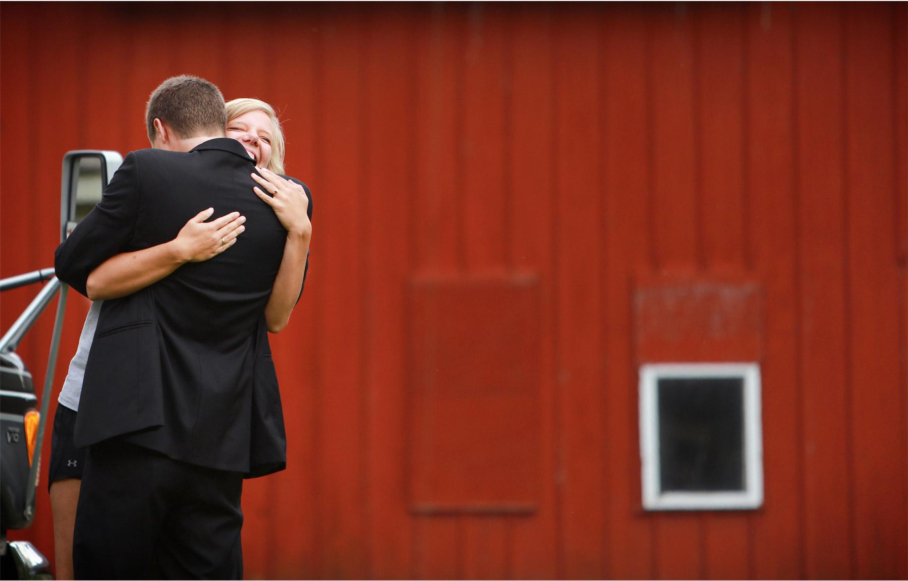04-Vick-Photography-Proposal-Session-Engagement-Family-Farm-Hug-Kasie-and-Josh.jpg