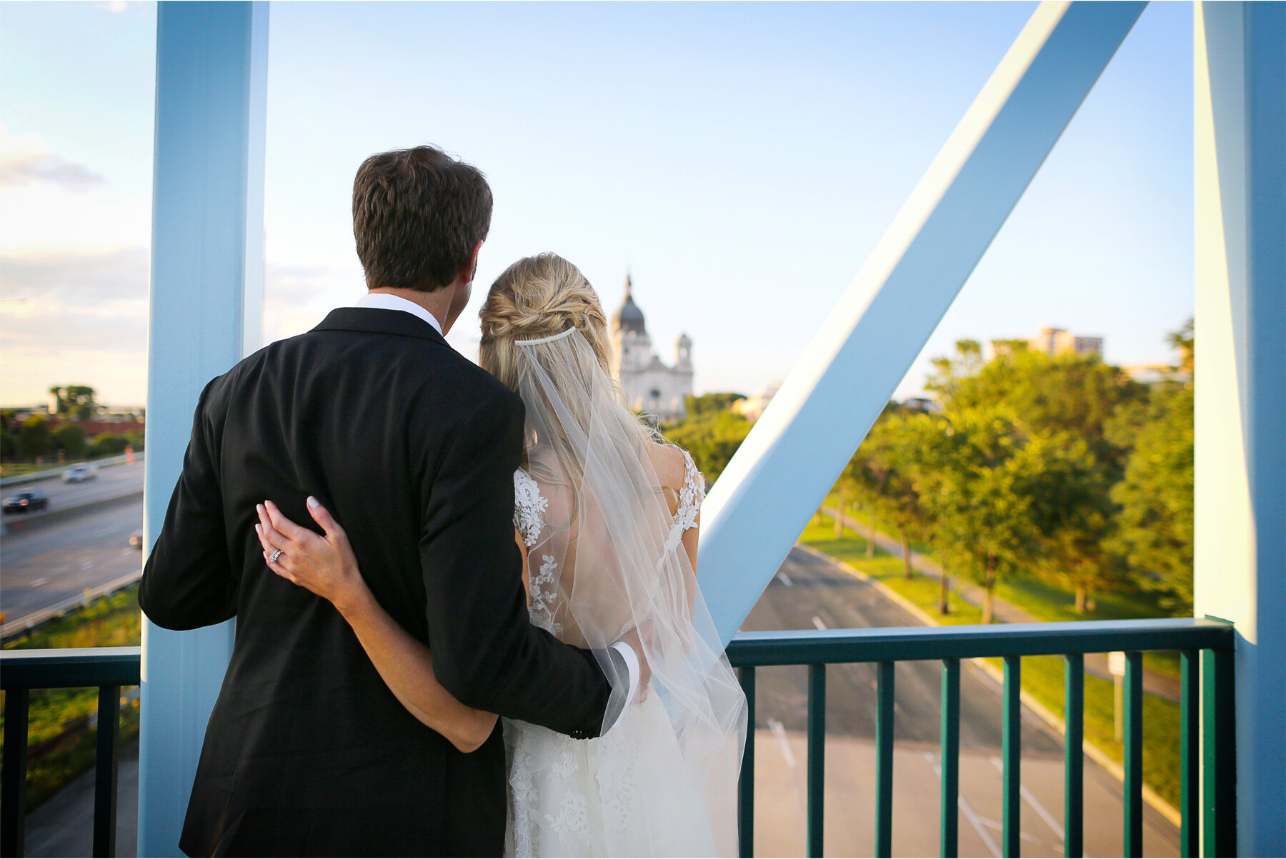 19 Wedding Vick Photography Minneapolis Minnesota Bride Groom Blue Bridge Sunset Michelle and William.jpg