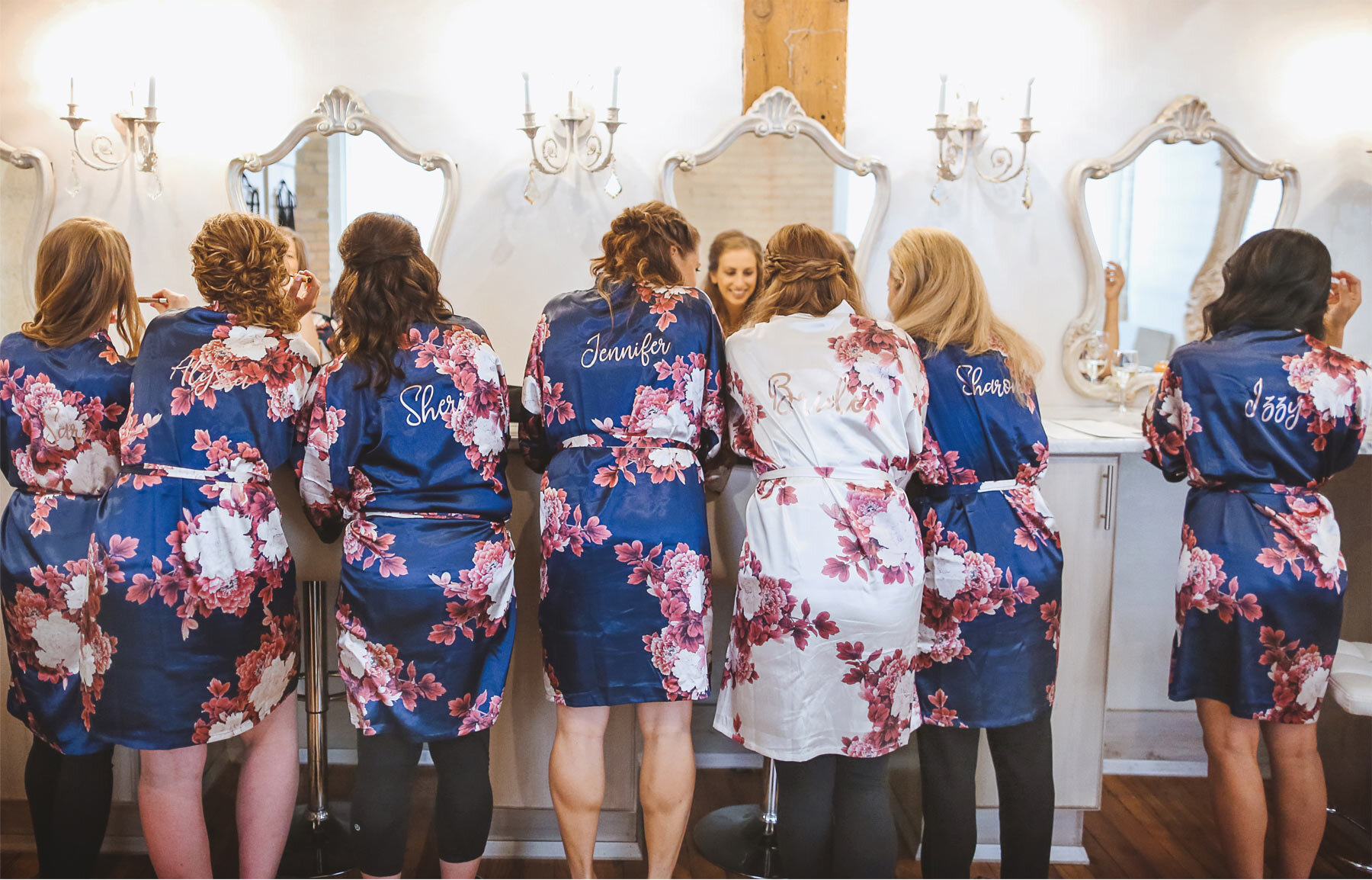 01-Minnesota-Wedding-Vick-Photography-Minneapolis-Event-Centers-Robes-Bridesmaids-Bride-Amy-and-Avi.jpg