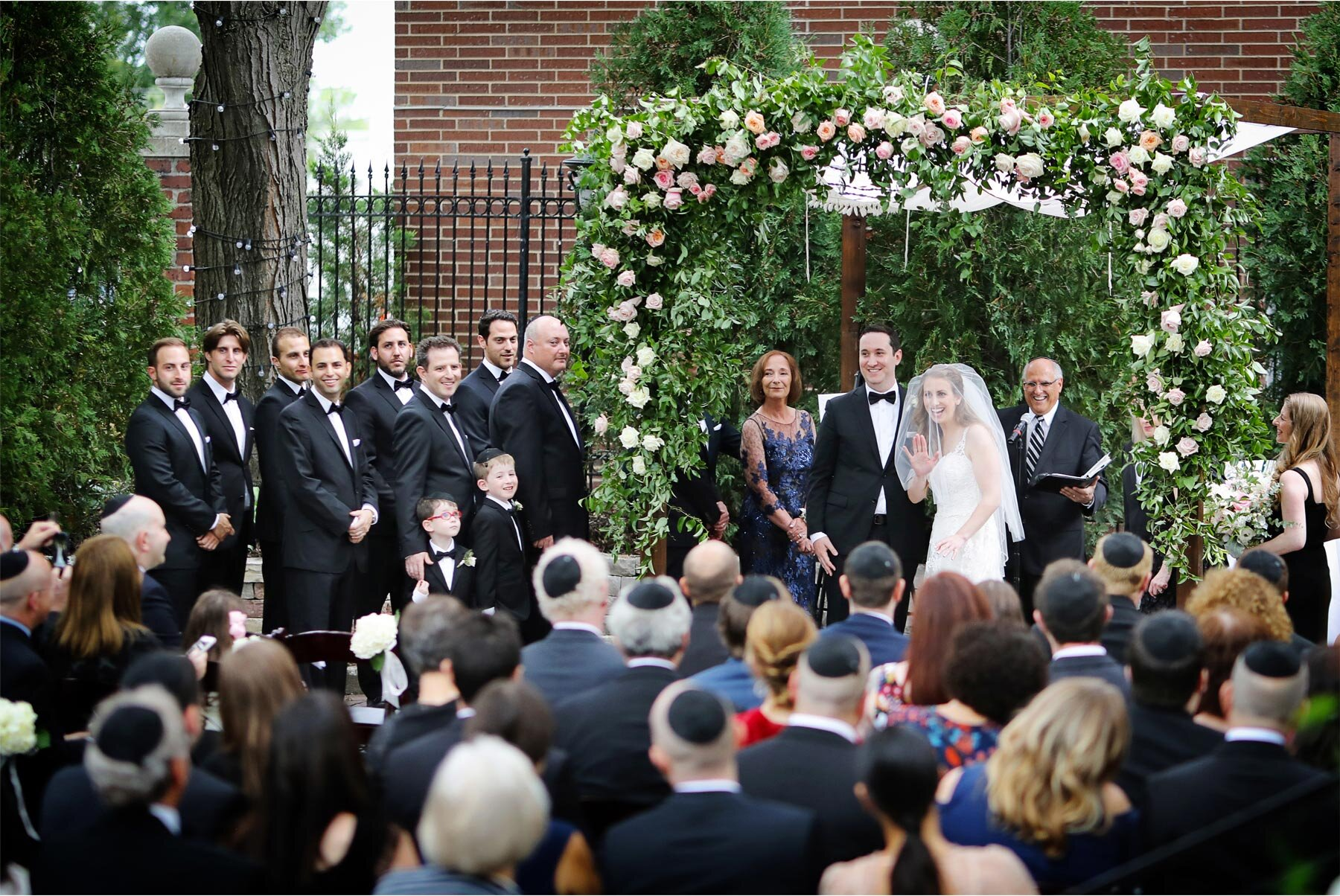 13-Minnesota-Wedding-Vick-Photography-Minneapolis-Event-Centers-Outdoor-Courtyard-Ceremony-Amy-and-Avi.jpg