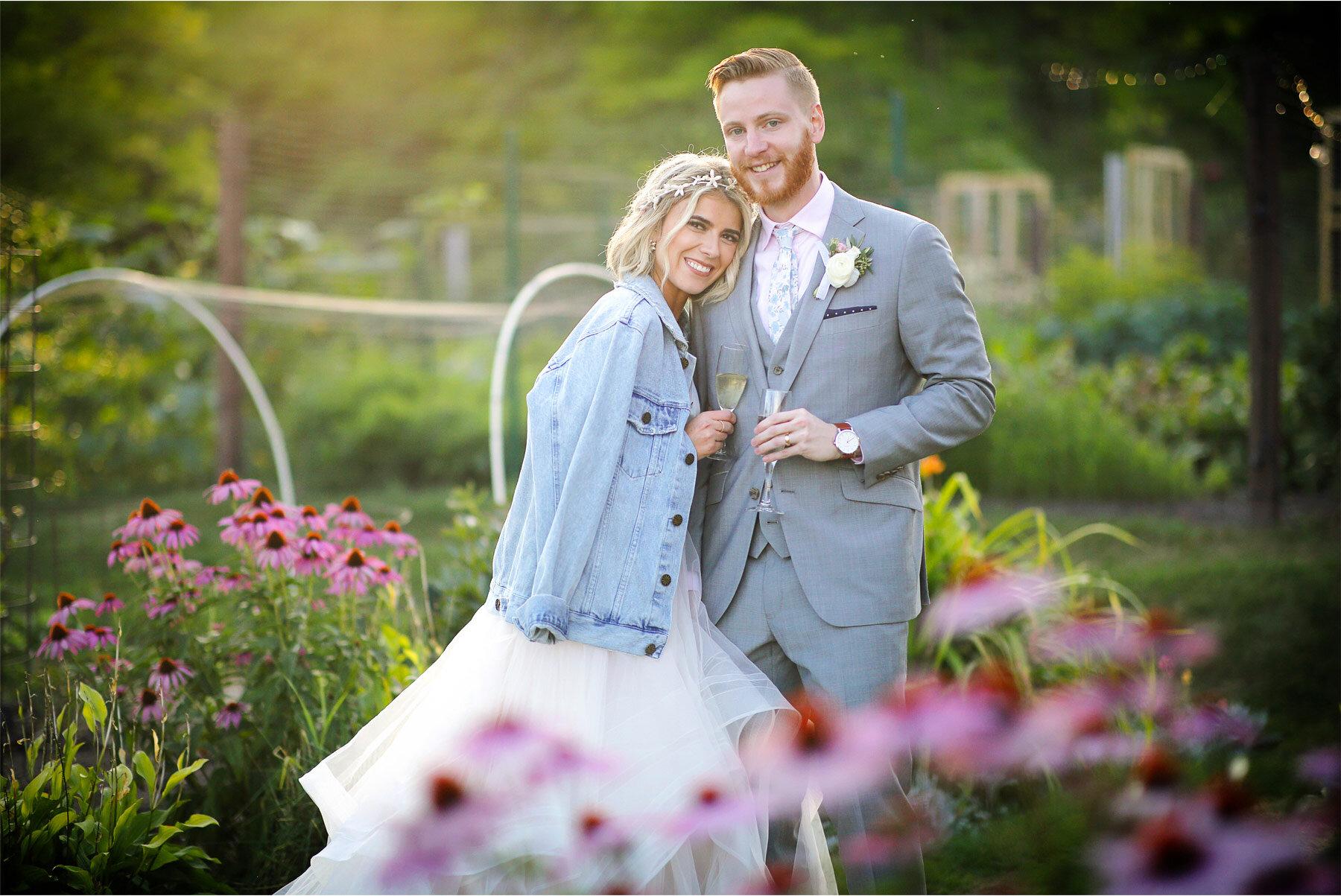 18-Vick-Photography-Wedding-Duluth-Minnesota-Glensheen-Mansion-Bride-Groom-Gardens-Summer-Flowers-Jean-Jacket-Catherine-and-John.jpg